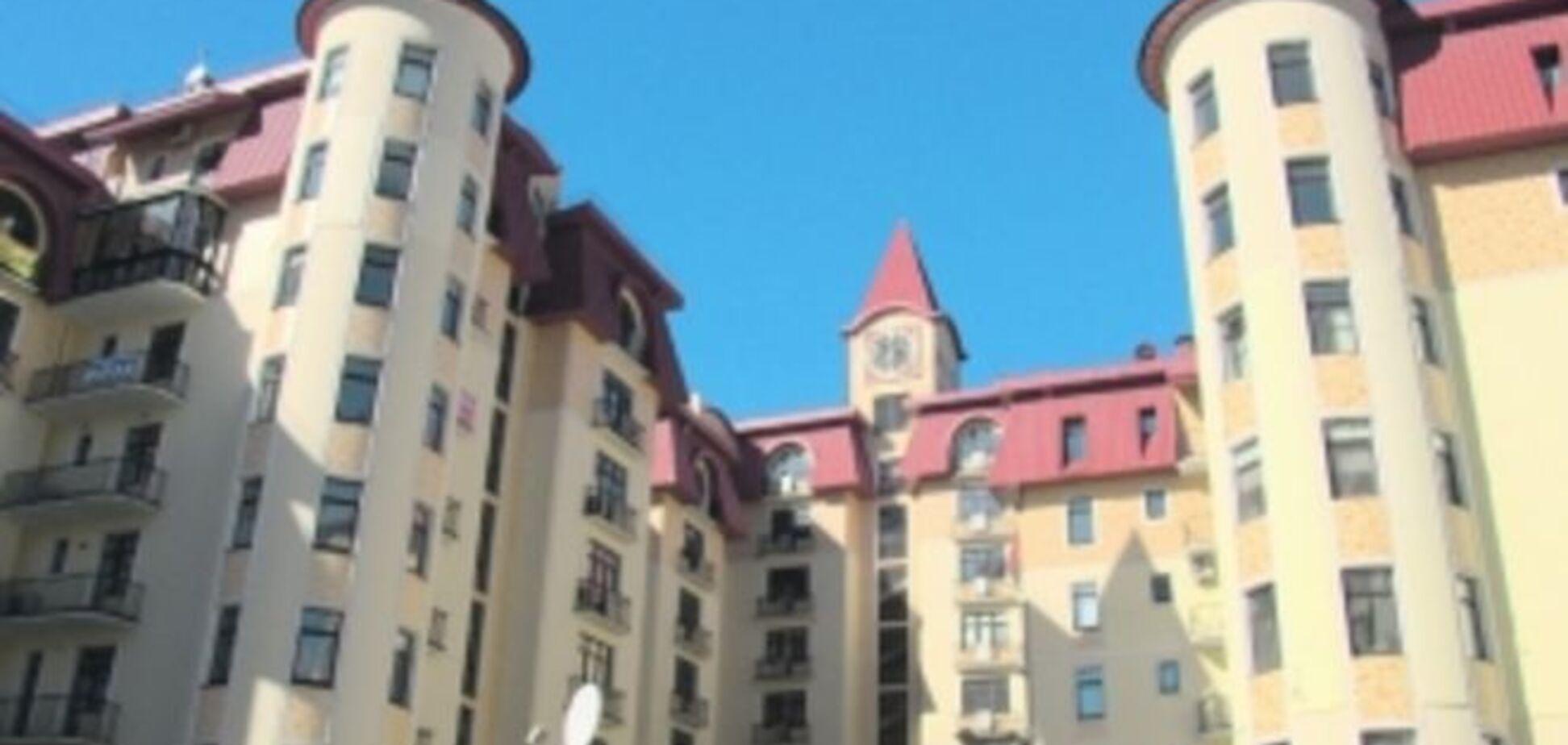 Элитное жилье чиновников: Турчинов отгородился от Авакова забором