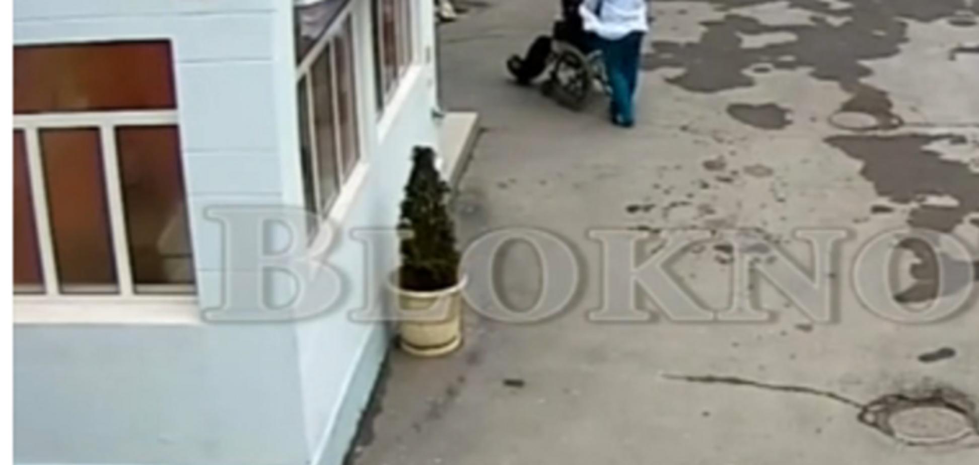 Духовные скрепы: в Ростове врачи выбросили умирающего инвалида замерзать на улицу - видеофакт