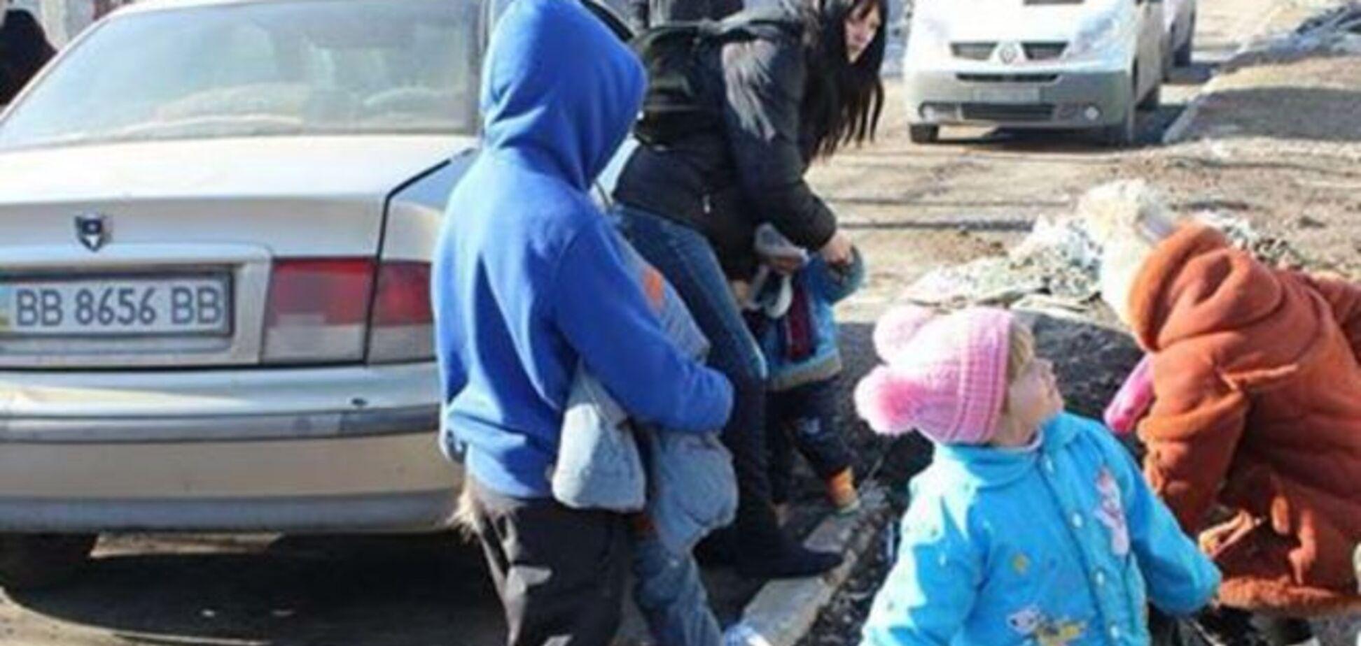Из Донбасса не выпускают жителей на подконтрольную Украине территорию: волонтер намерен подать иск в суд