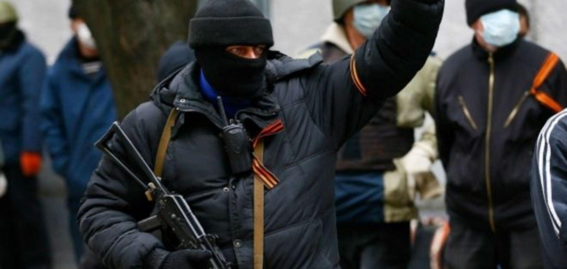 Боевики в Станице Луганской обстреляли милицейскую машину, один человек ранен