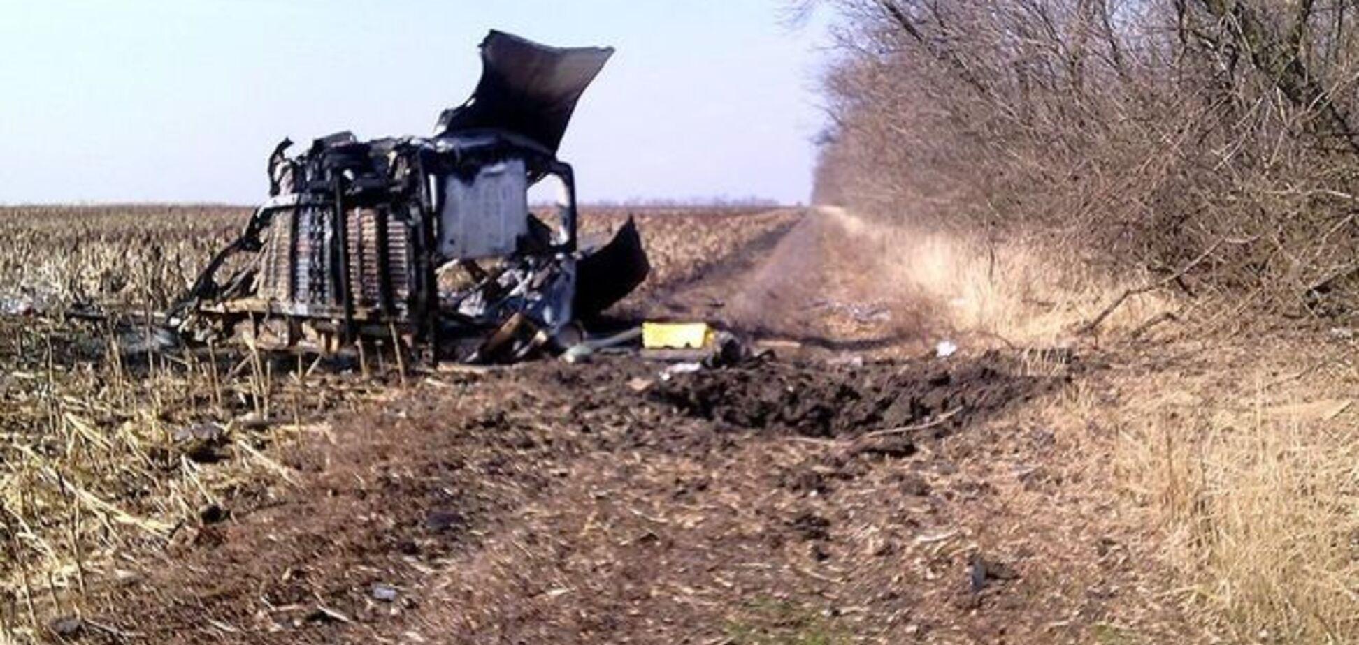 'Правый сектор' взорвал на Донетчине три авто с боевиками: фото с места событий