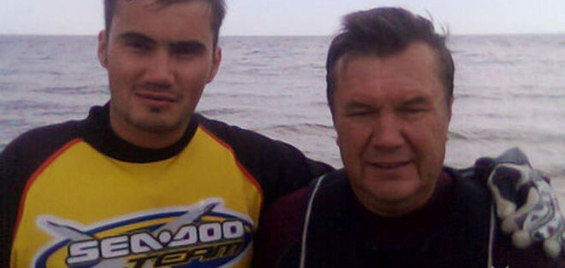 Янукович присутствовал на похоронах сына в Севастополе - СМИ