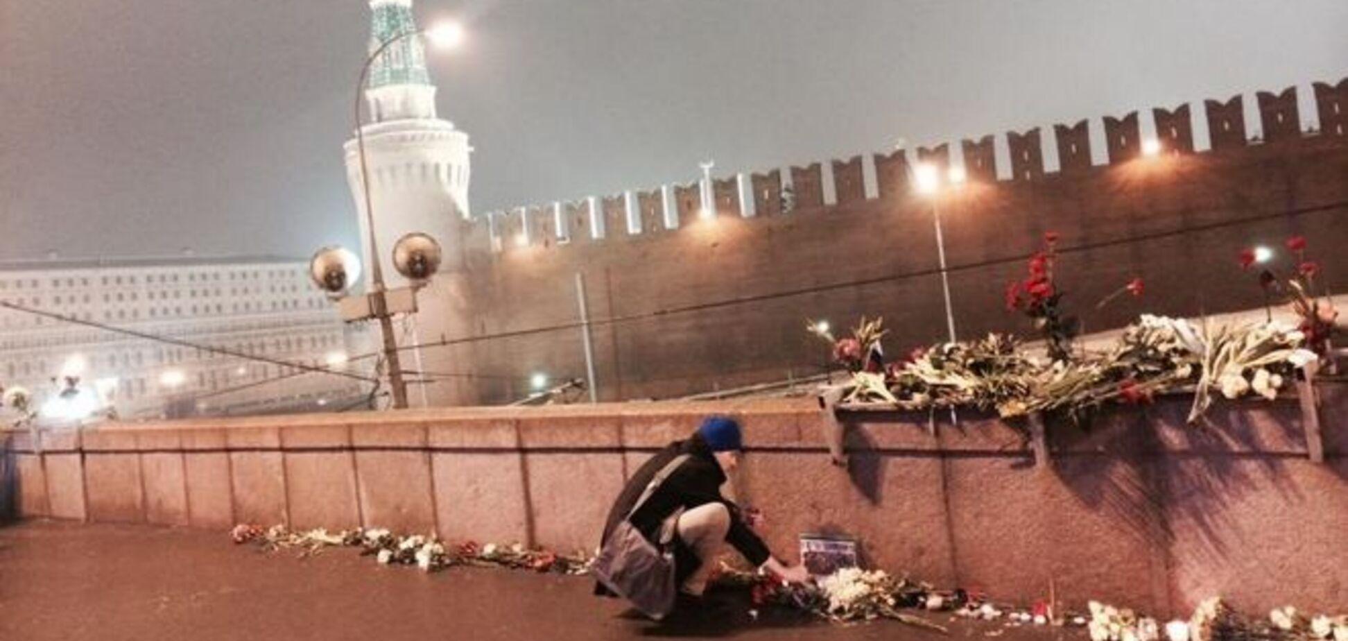 'Мы же не хуже?' Москвич на месте убийства Немцова рассказал о страхе в России, Майдане и Путине. Видеофакт