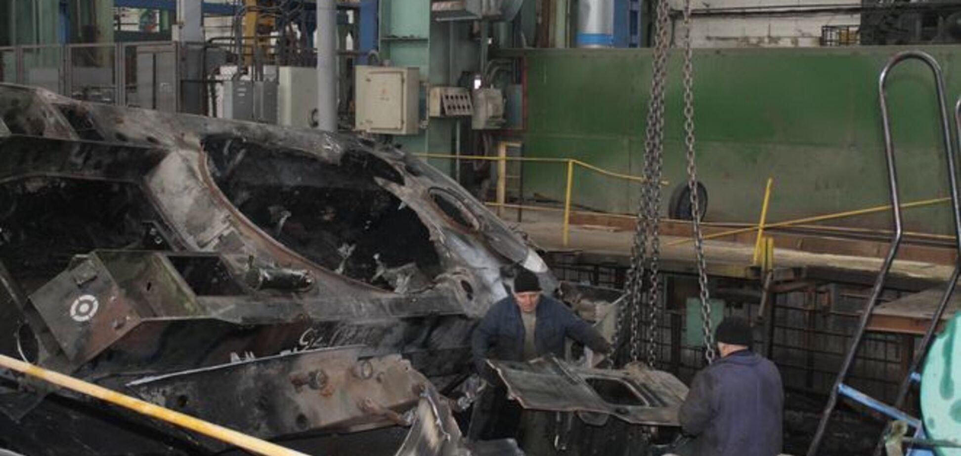 Журналист рассказал, как завод 'Донецкгормаш' чинит украинскую бронетехнику во благо 'Новороссии'