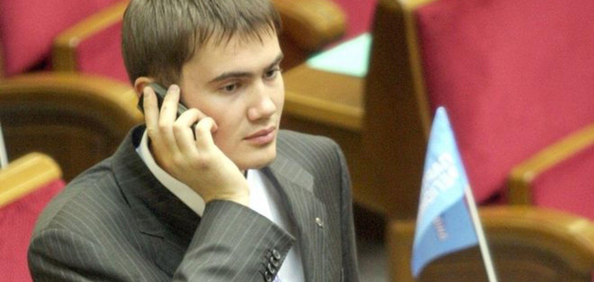 На панахиду до могили Януковича-молодшого ніхто з рідних не прийшов