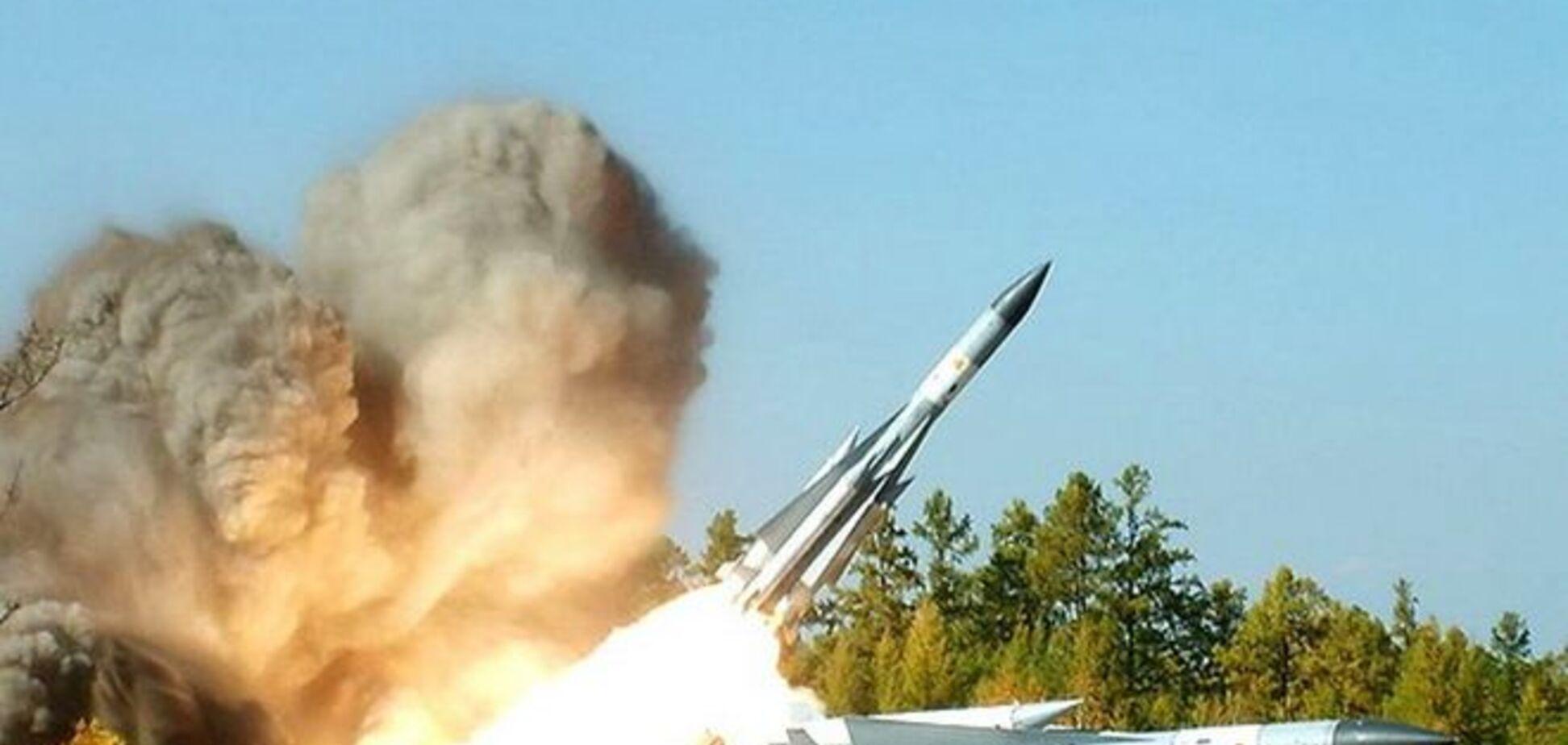 Российские зенитно-ракетные войска начали масштабную стрельбу в 60 км от Мариуполя