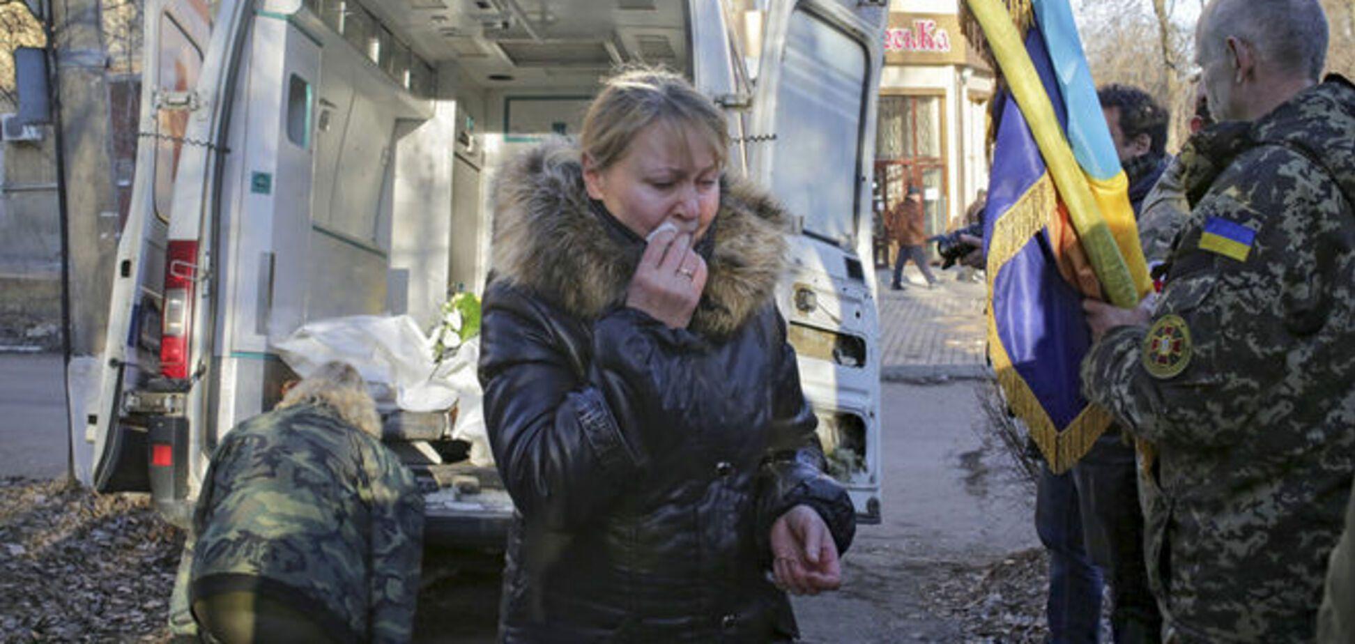 В морг Днепропетровска доставлены тела 10 погибших под Дебальцево бойцов АТО