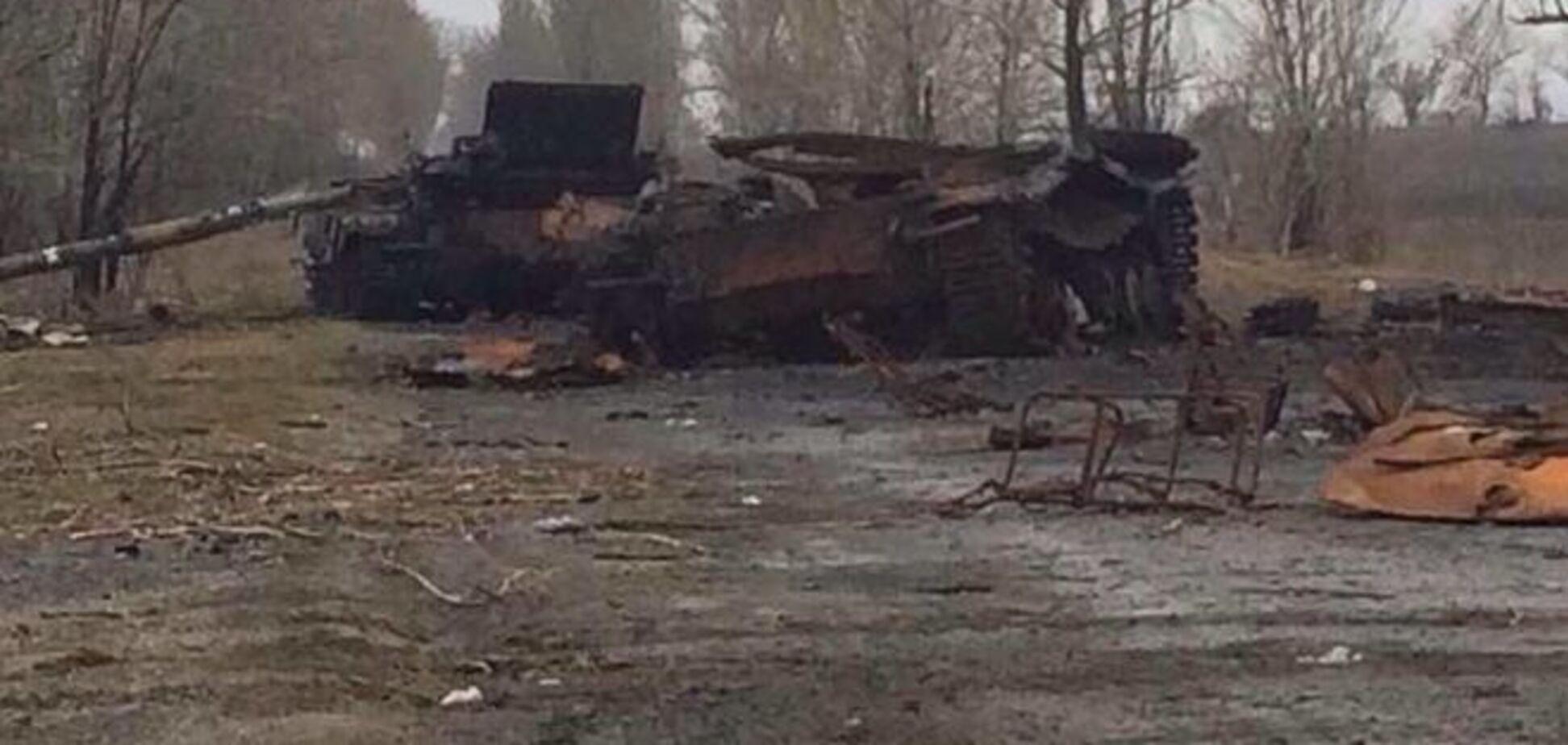 Партизаны 'Тени' взорвали два российских танка с экипажами: фотофакт