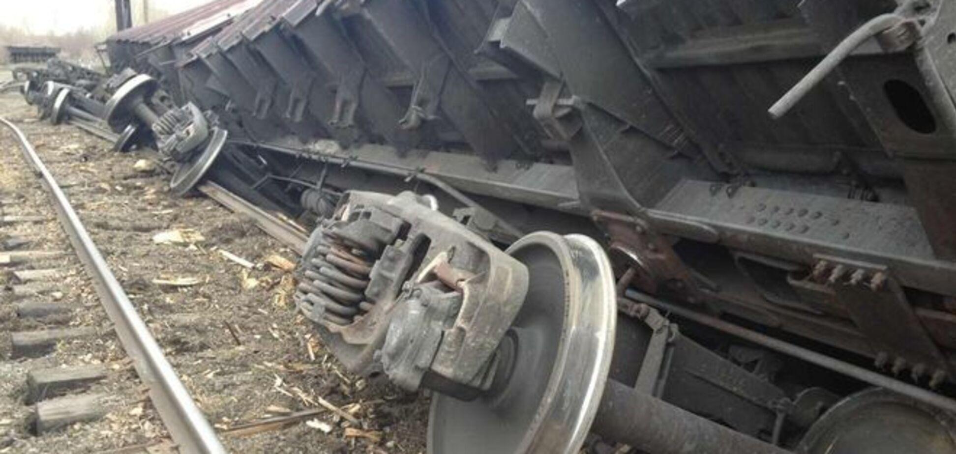 На Луганщине с рельсов сошли вагоны с углем