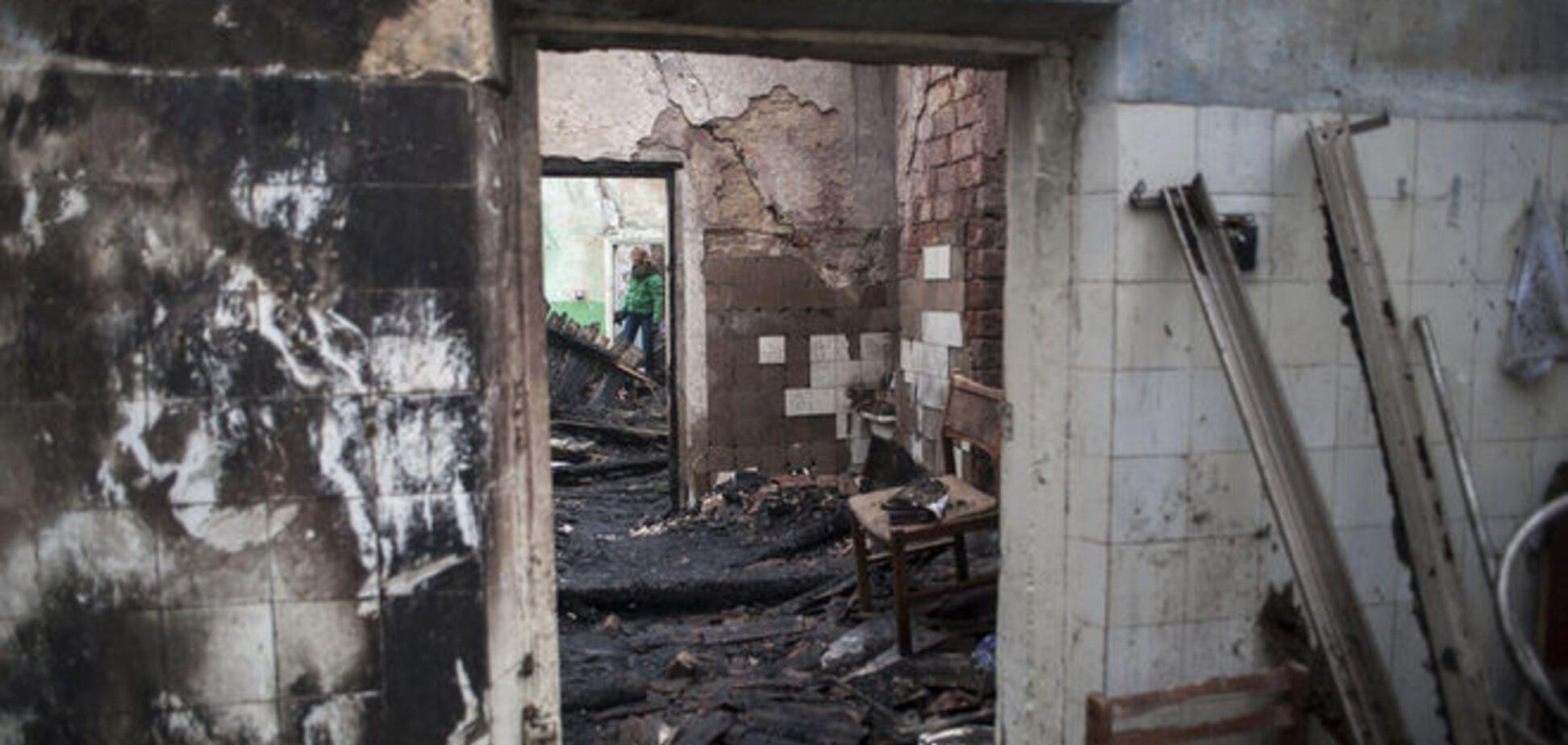 Разрушенная из-за обстрелов боевиков Новотошковка возвращается к нормальной жизни