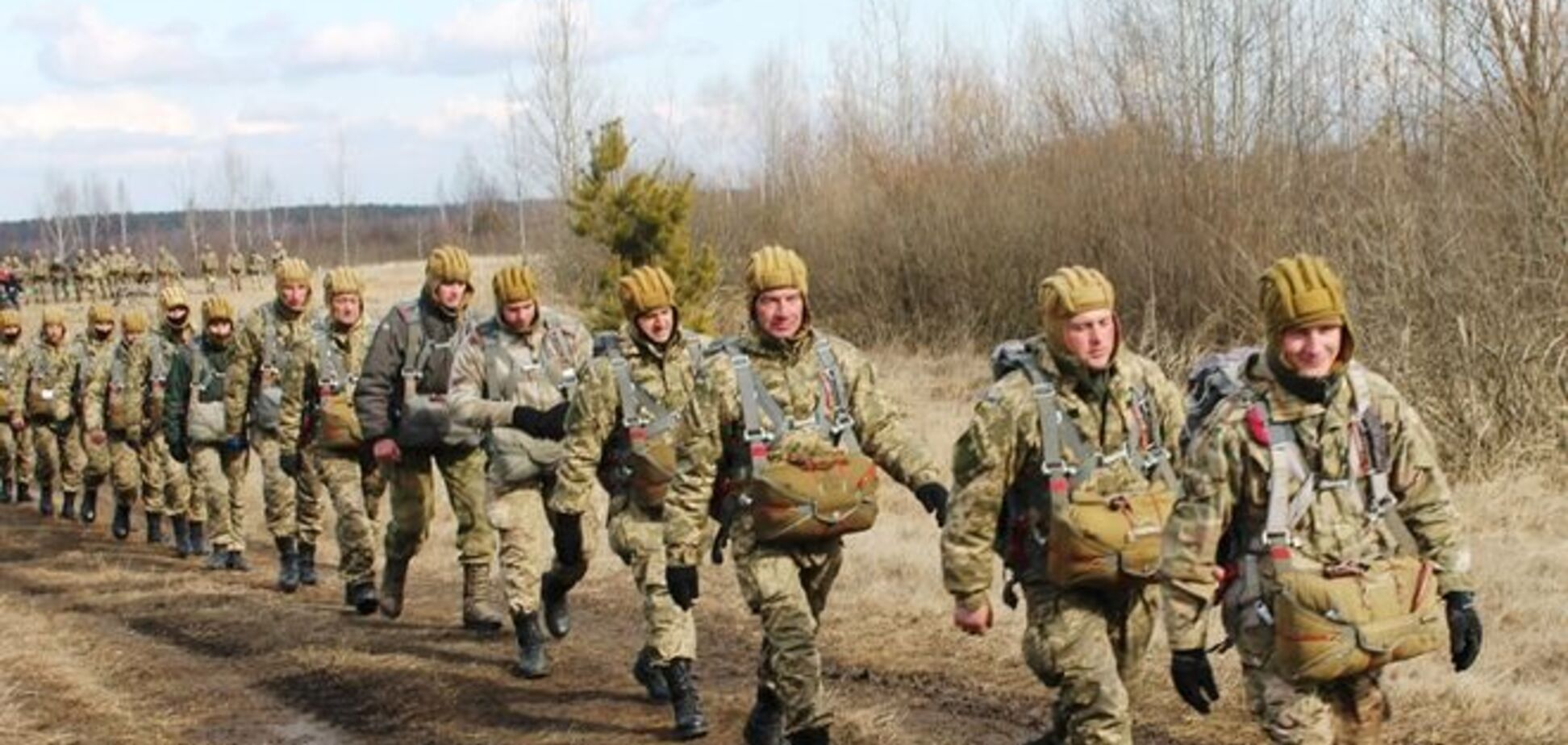 'Крылатые пехотинцы'. Как тренируются украинские десантники: фоторепортаж