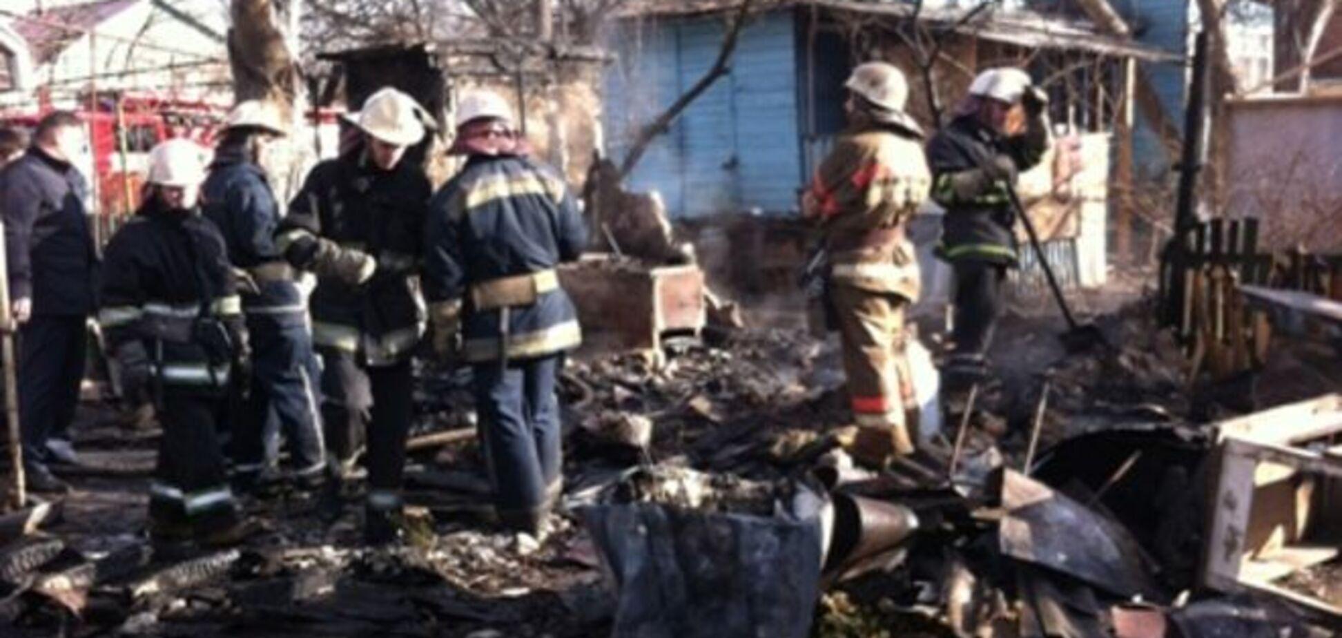 Во время пожара в Киеве обнаружили тело мужчины: опубликовано видео