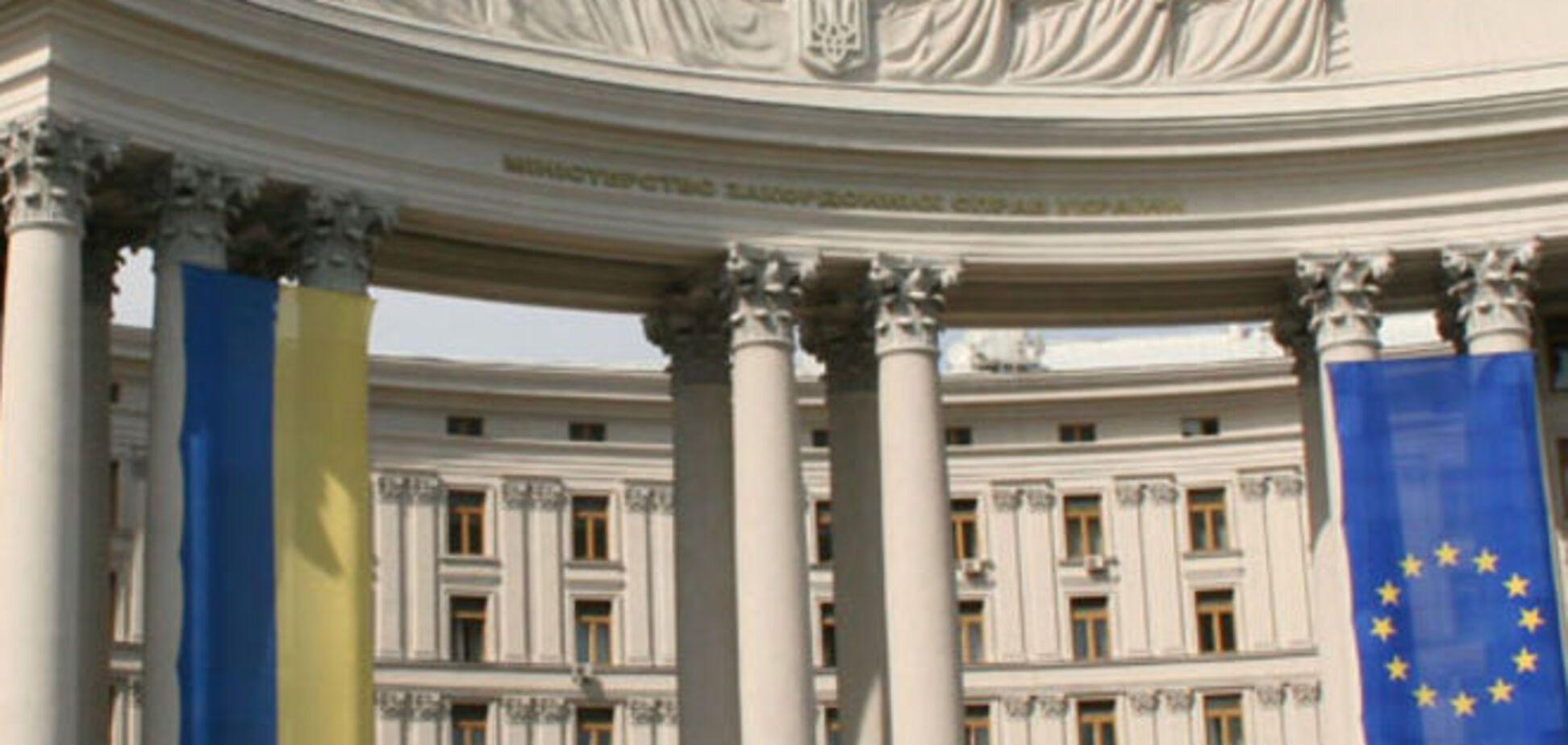 Російського консула викликали в МЗС і вручили гнівну ноту для Лаврова