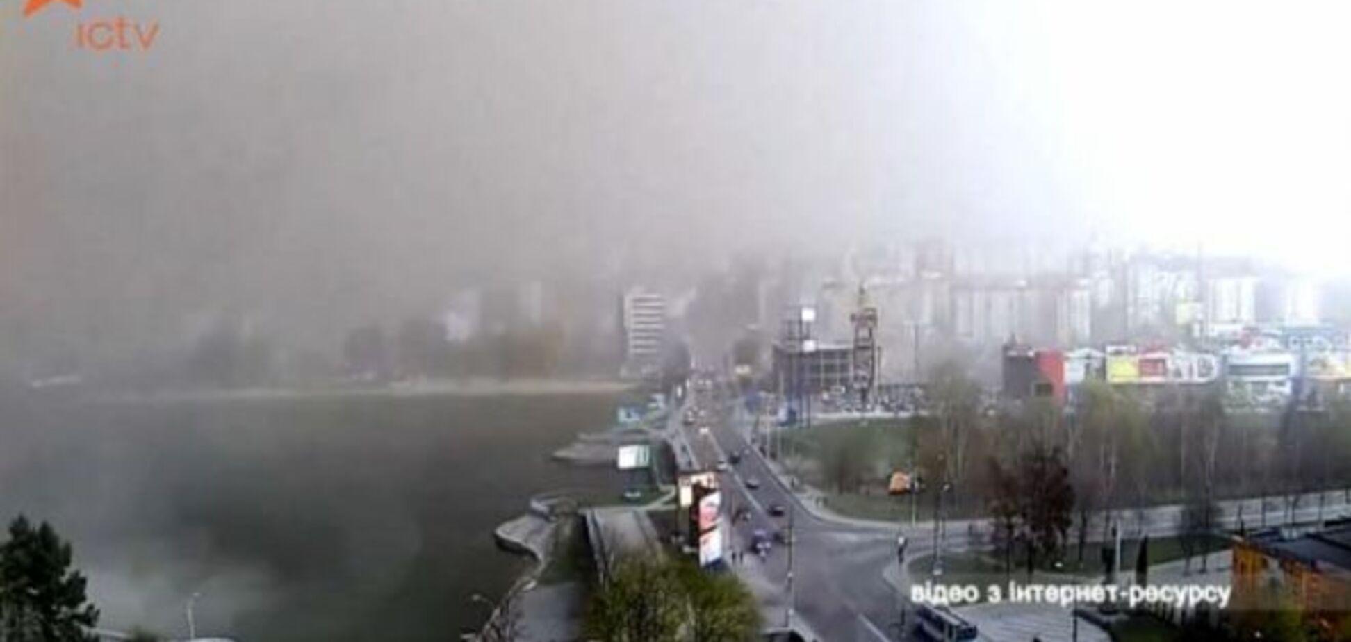 Піщана буря вирувала на заході України: відеофакт