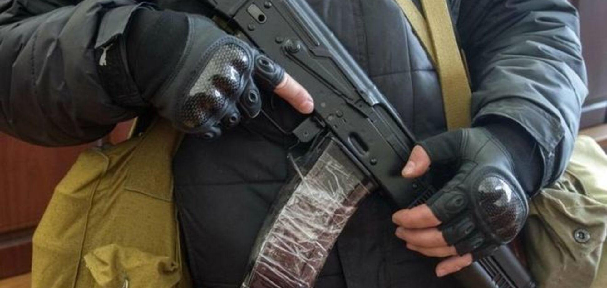 Боевики 'ЛНР' продают людям справки 'из комендатуры' за две тысячи