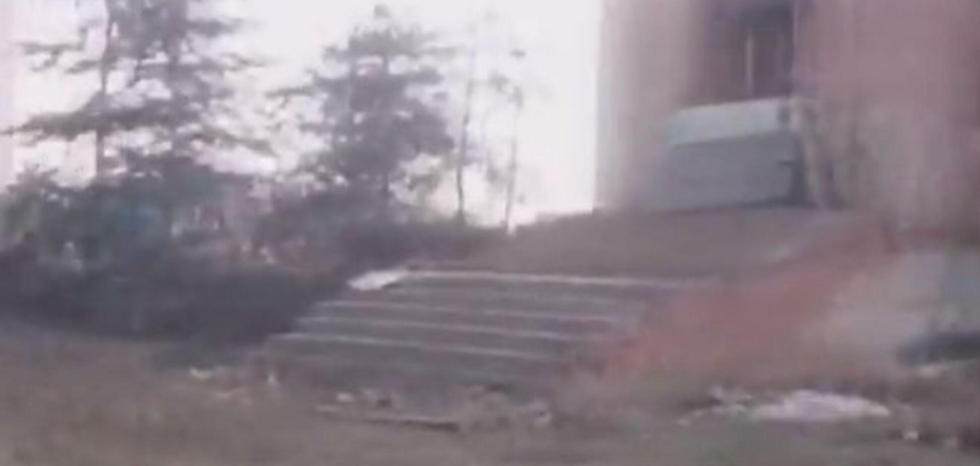 Бійці АТО показали, на що бойовики перетворили Піски. Відеофакт