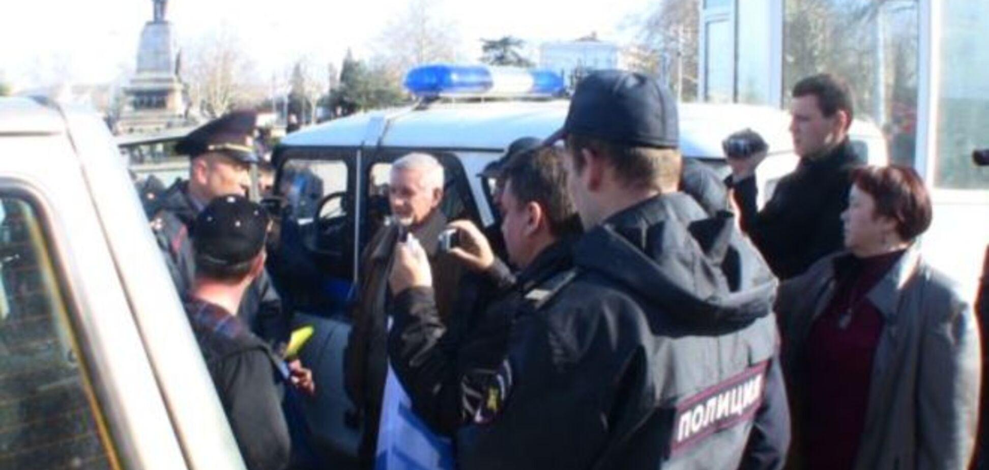 У Севастополі окупанти розігнали мітинг проти нової 'влади': відеофакт