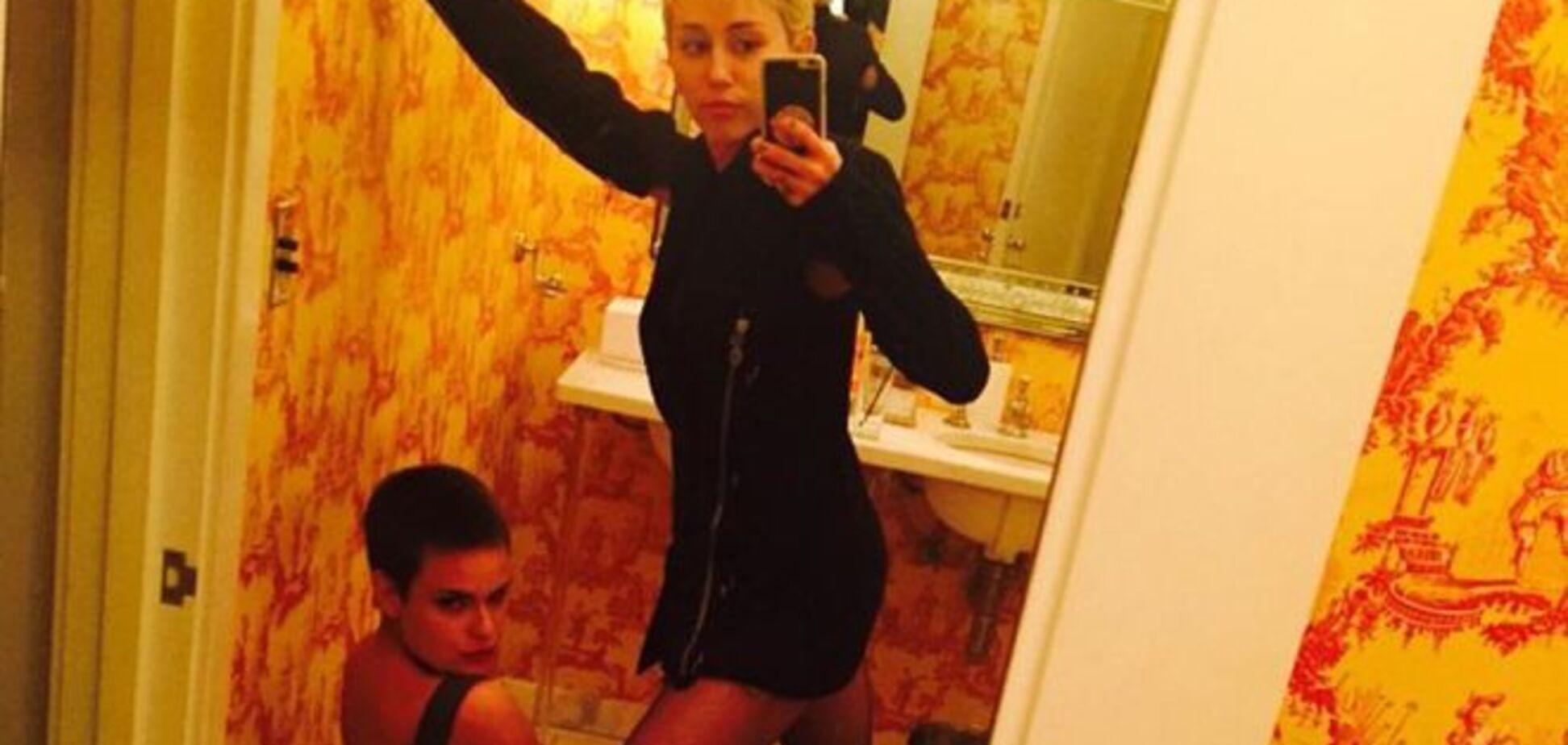 Секс-снимки Майли Сайрус и дочек Брюса Уиллиса взорвали сеть