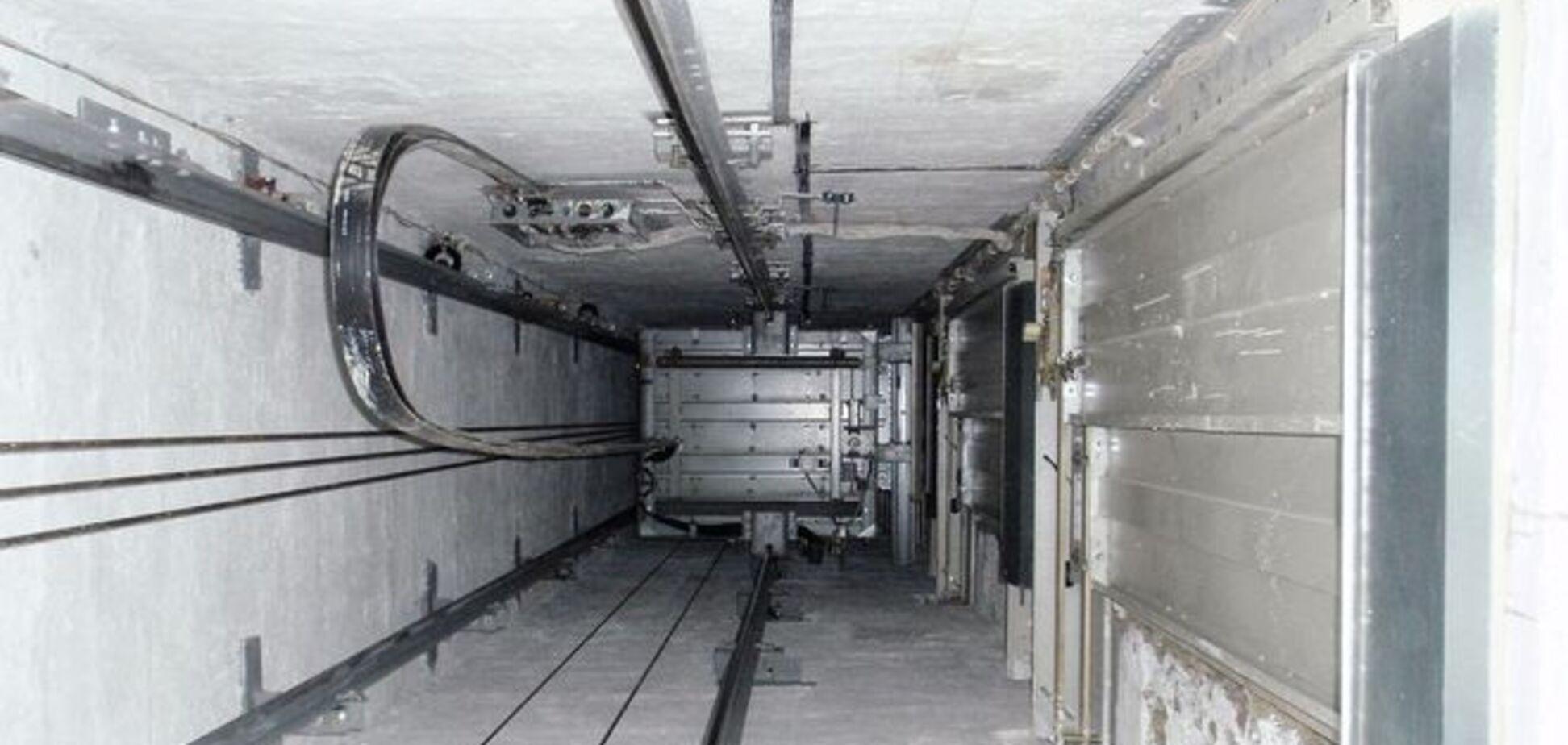 В Одесі ліфт зірвався з восьмого поверху: постраждала дитина
