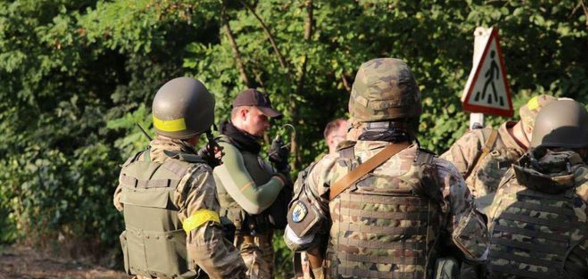 Ночью террористы ударили по мирным поселениям, которые оставили силы АТО – 'Азов'