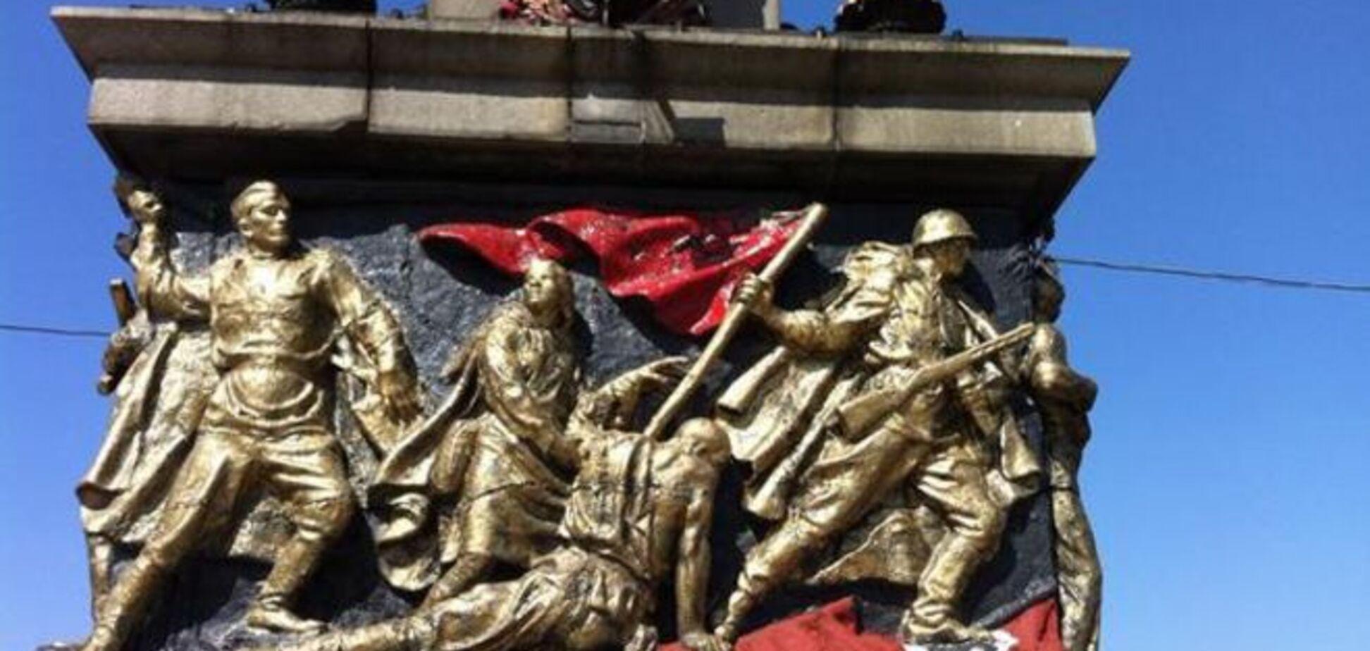 Как оккупированный Донецк возвращается в СССР