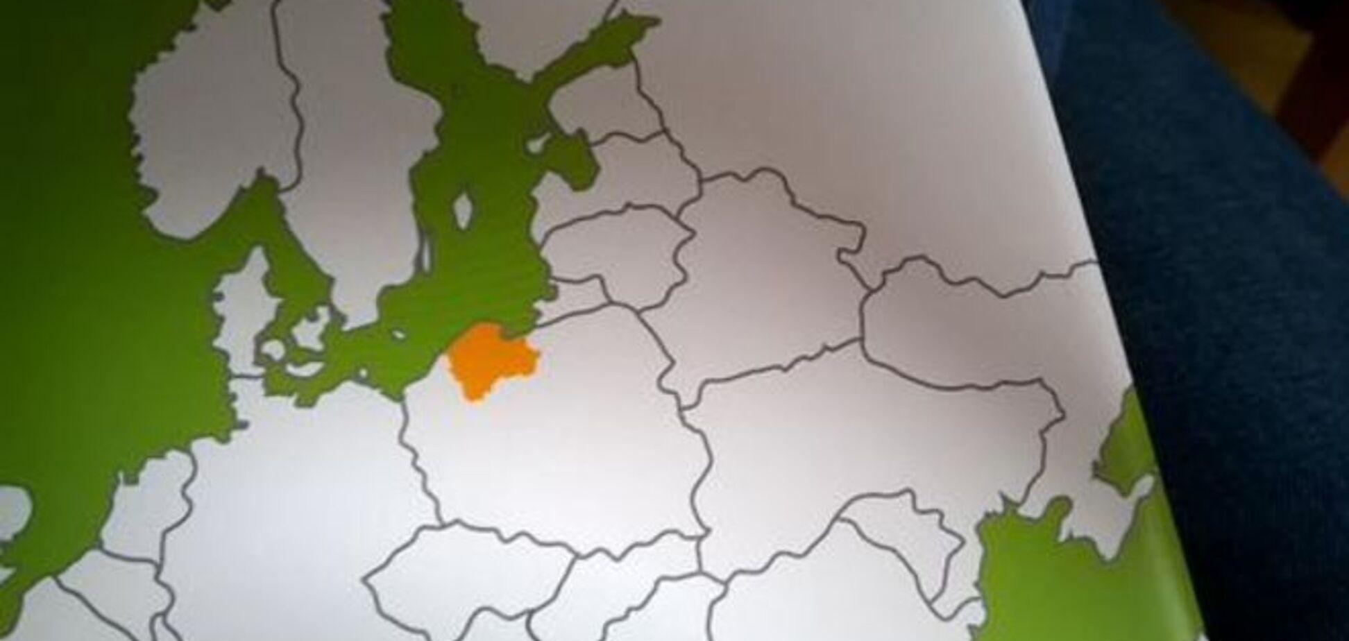 У Польщі надрукували карту розділеної України в урядовому буклеті