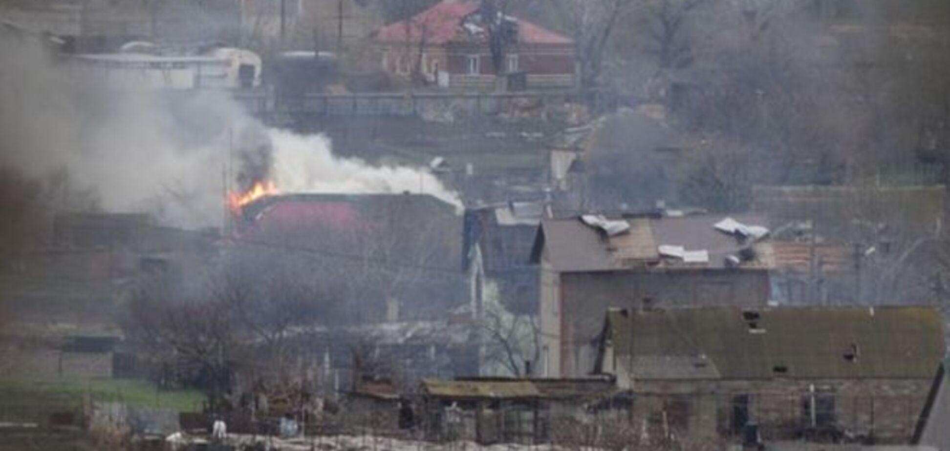 Бои в Широкино: террористы подбили 'скорую', погиб боец 'Донбасса'