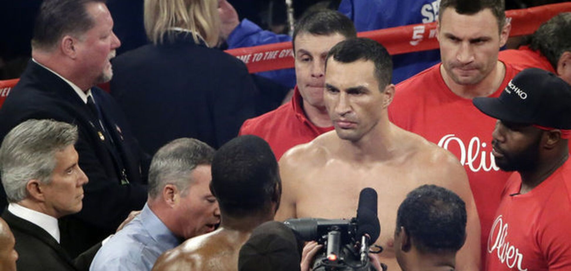 Владимир Кличко повторил уникальное боксерское достижение