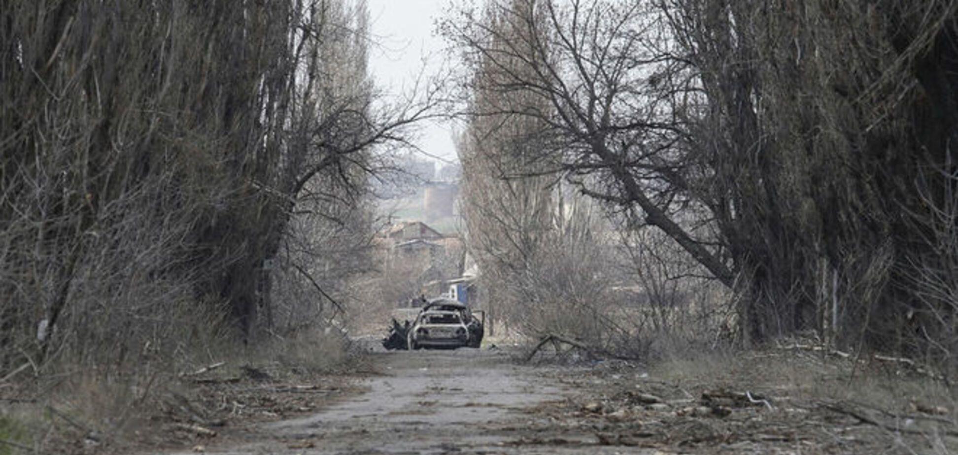 Минометы и артиллерия боевиков обстреляли Пески, Авдеевку и Широкино