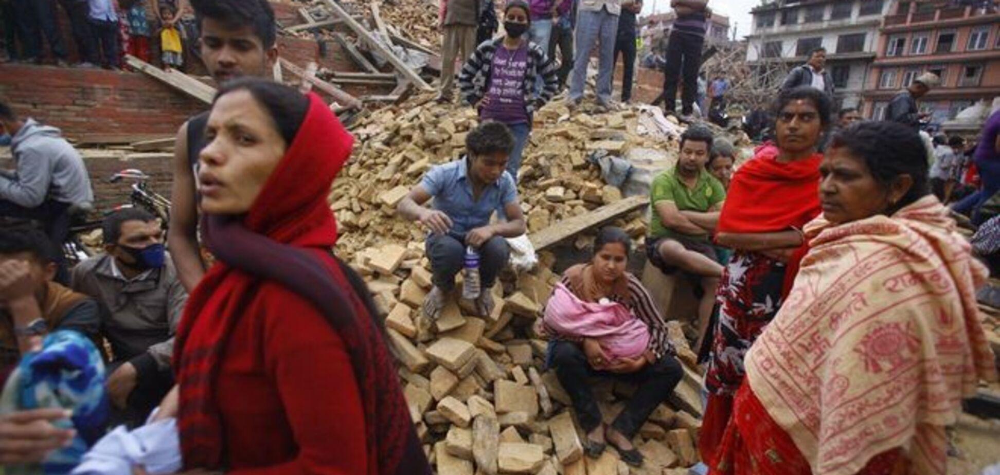 Спасшиеся украинцы не торопятся выезжать из Непала: живут в палатках, варят плов
