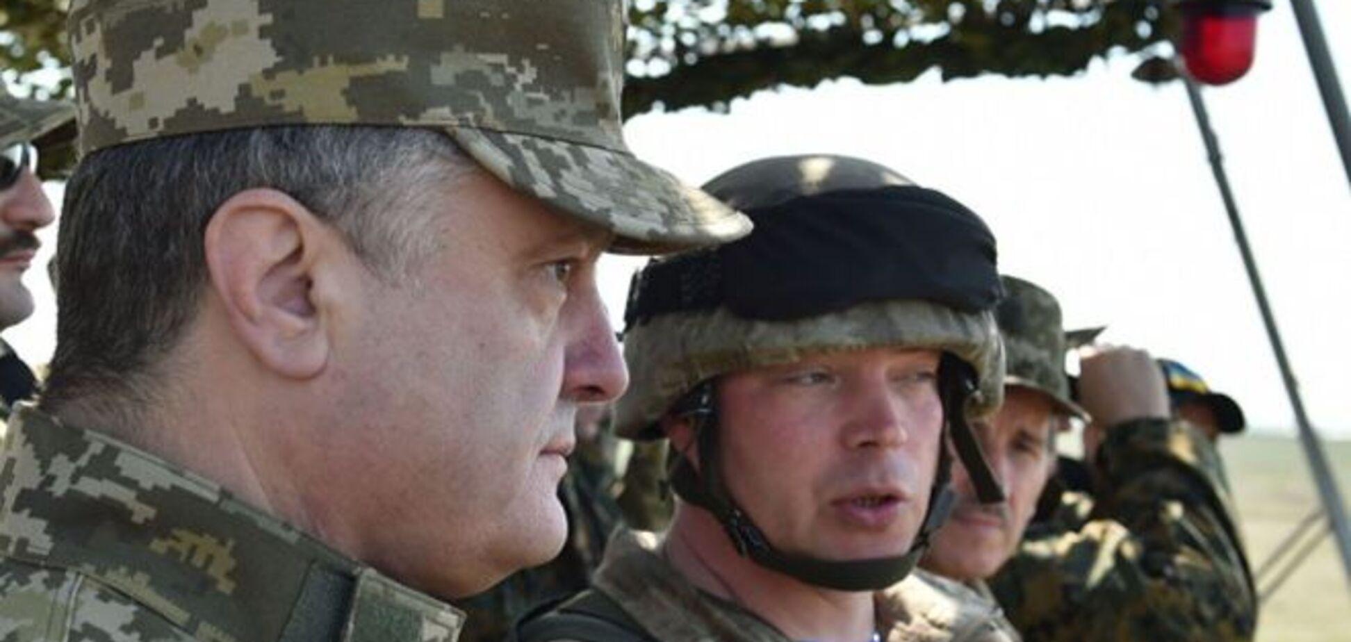Оточення: 'Правий сектор' чекає рішення Порошенка