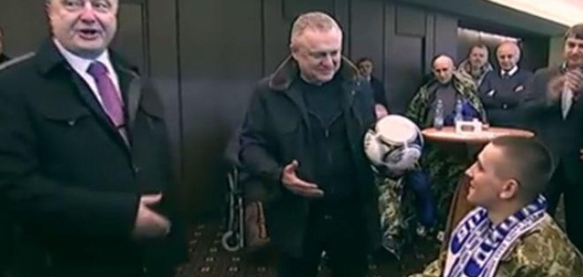 РосСМІ поширили фейк про м'яч від Порошенка для безногого бійця