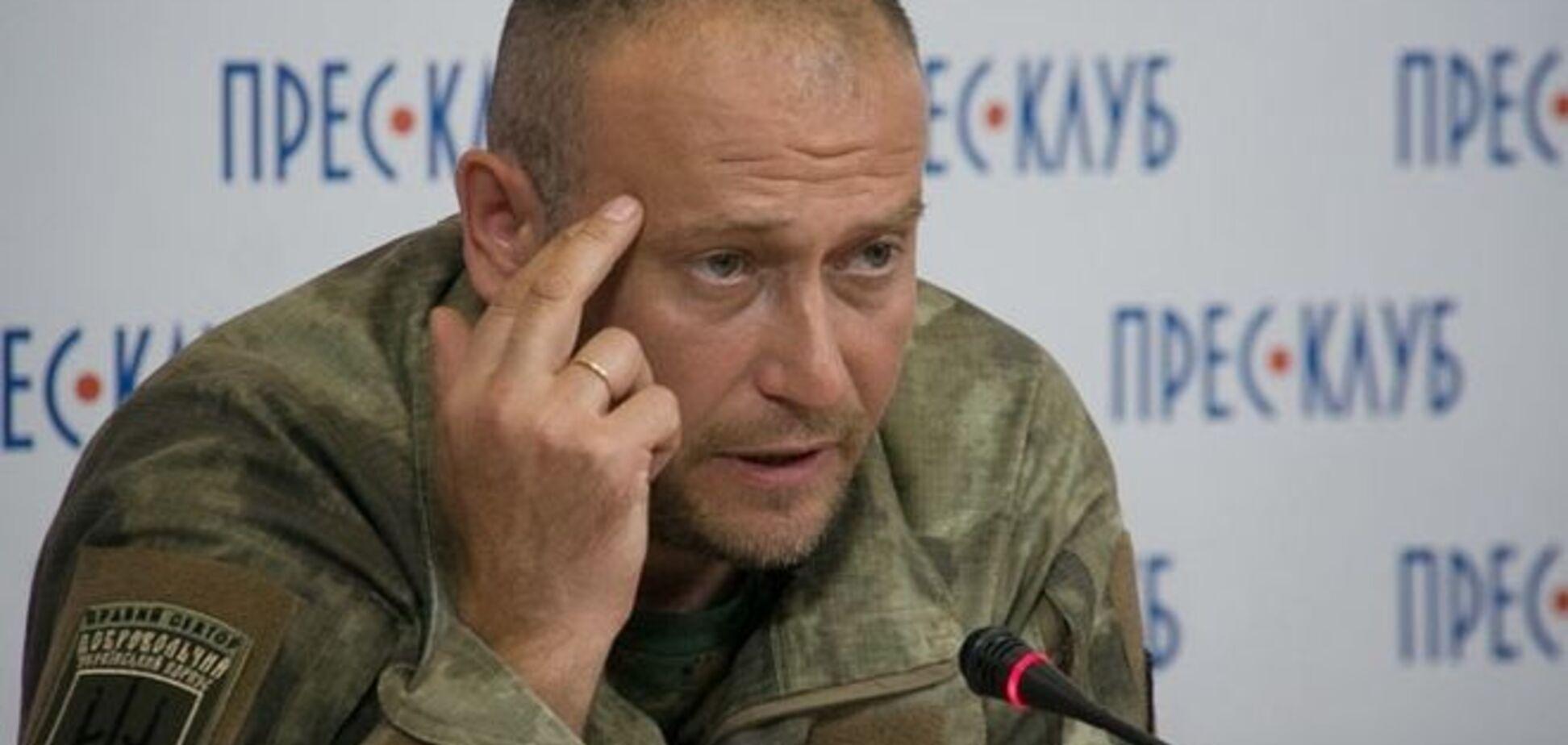 'Правий сектор' поки не визначився, кому підкорятися - Полторак