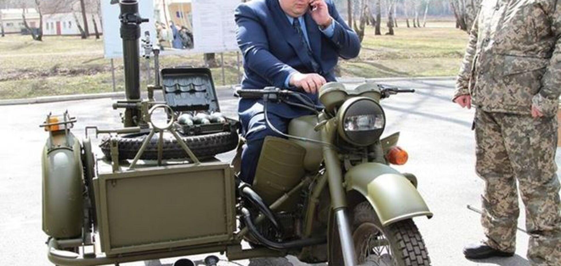 Антон Геращенко показал, как бы выглядел Буденный в 21 веке: фотофакт