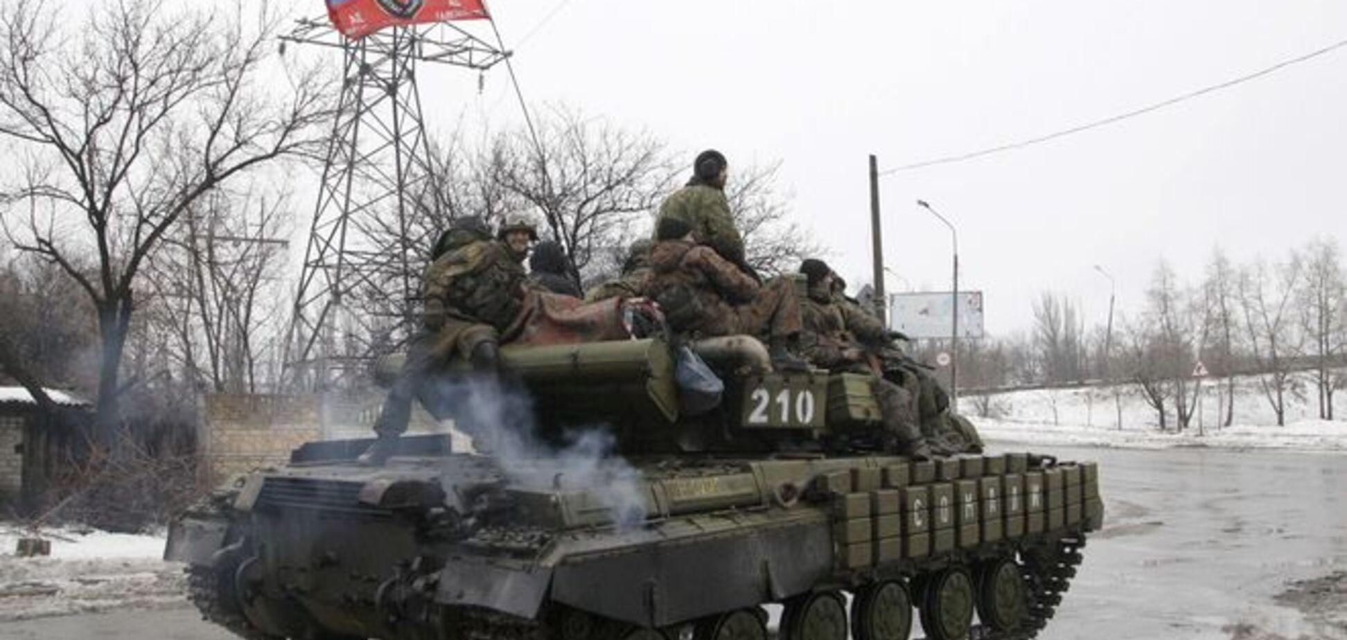 У Макіївці бойовики ховають російські танки