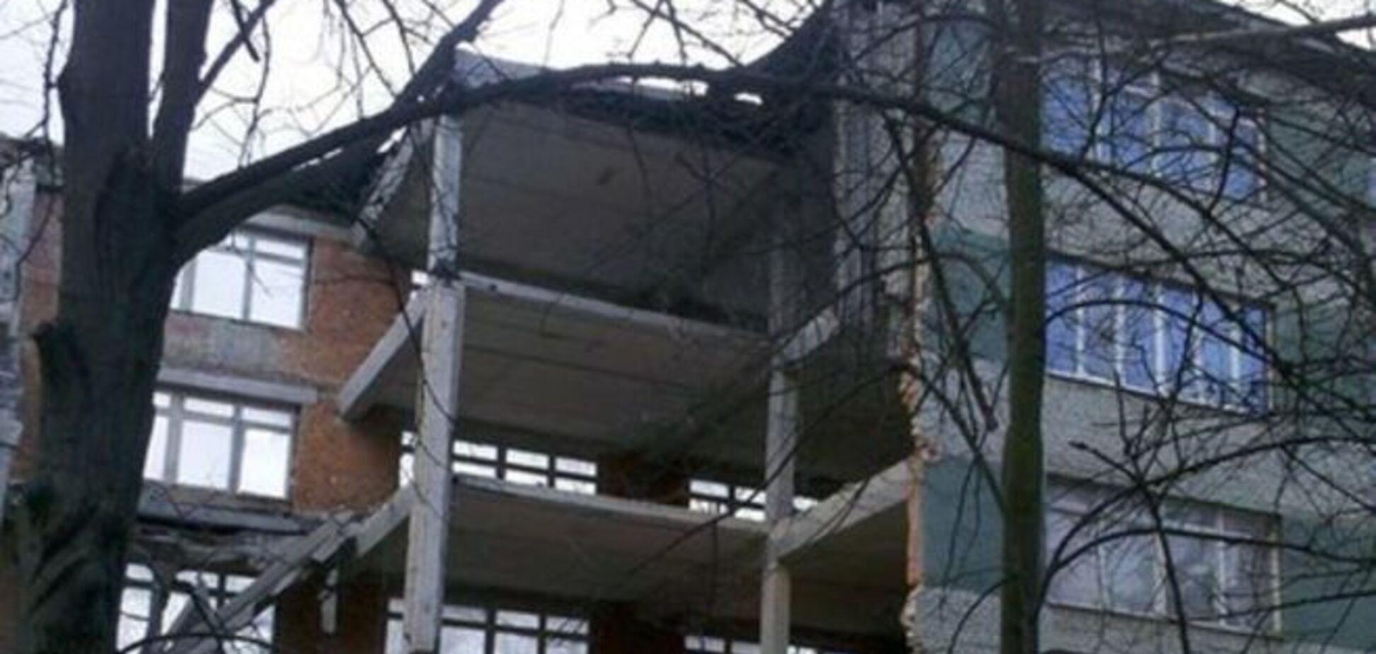 У Львові обвалилася стіна п'ятиповерхового офісного будинку: фотофакт
