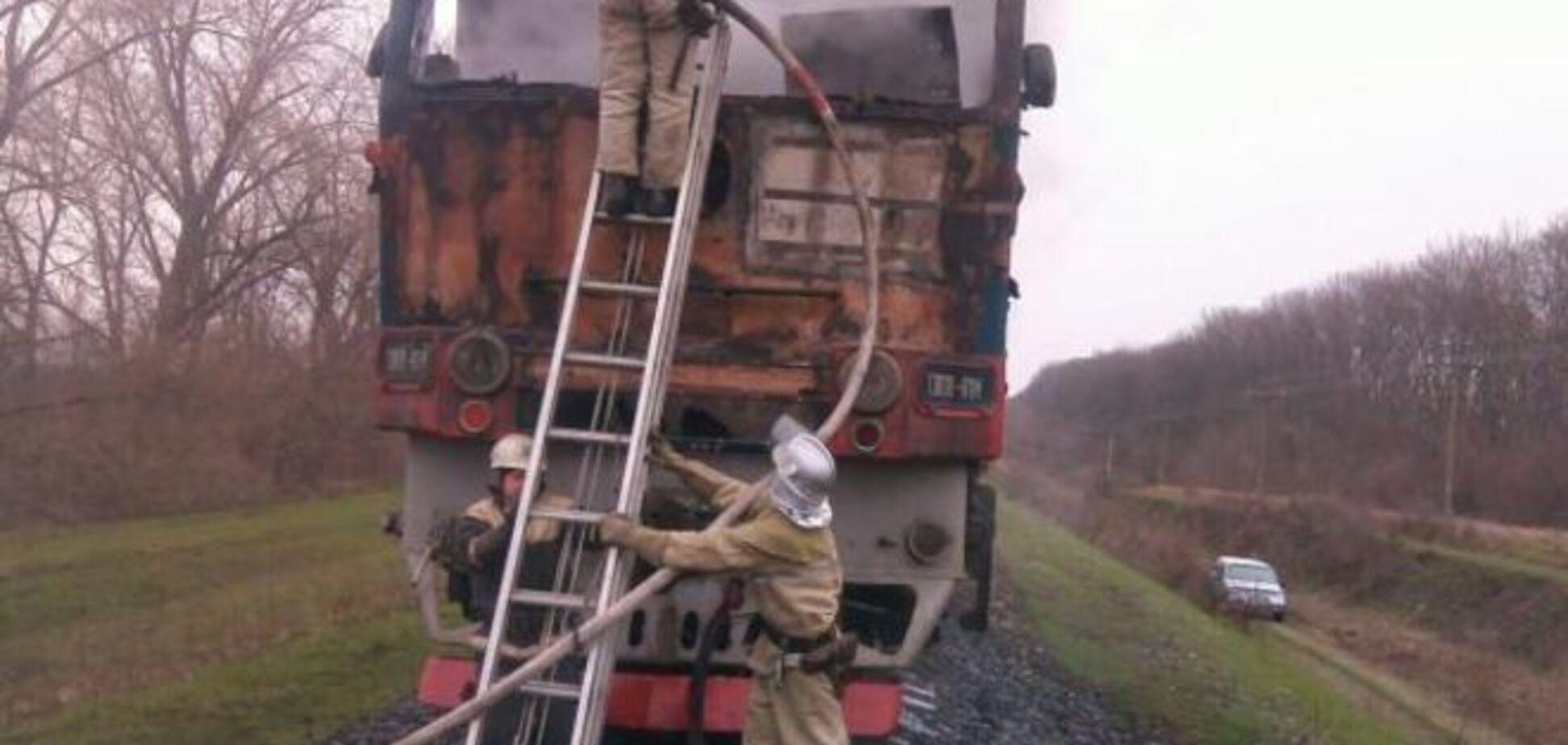 В Черкасской области во время движения загорелся поезд