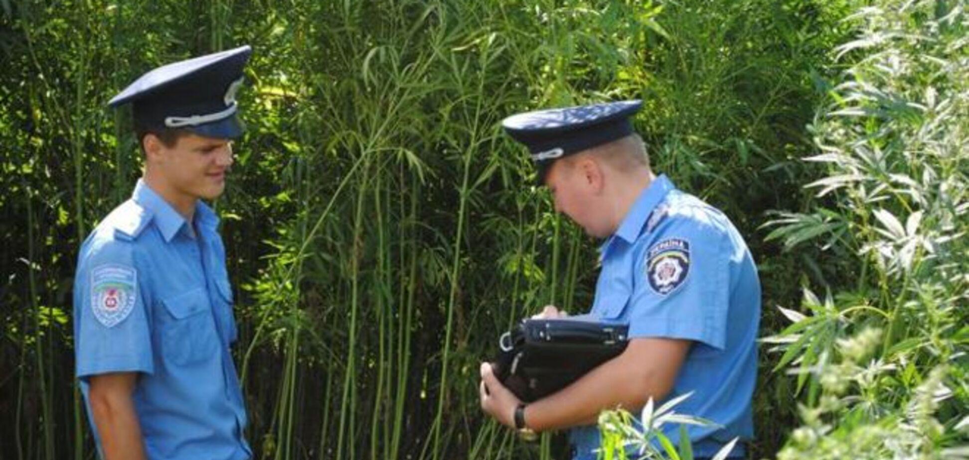 Міліціонери в Тернополі підкидали людям наркотики і вимагали відкуп