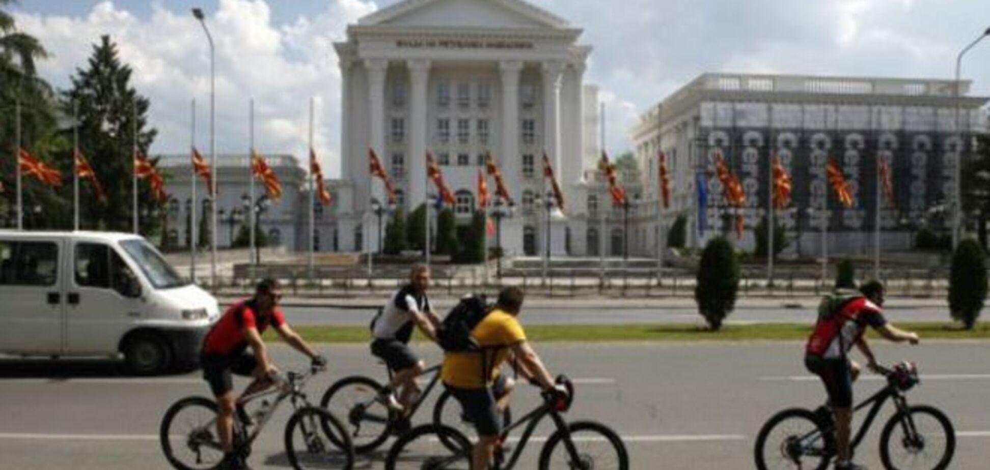 В Македонии объявлен национальный траур по убитым полицейским: фоторепортаж