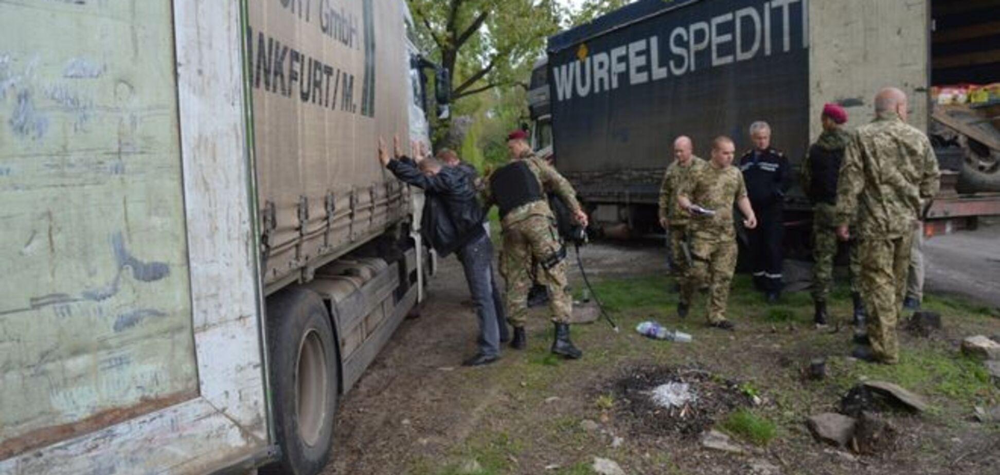 Москаль завернув 11 фур з їжею для терористів 'ЛНР'