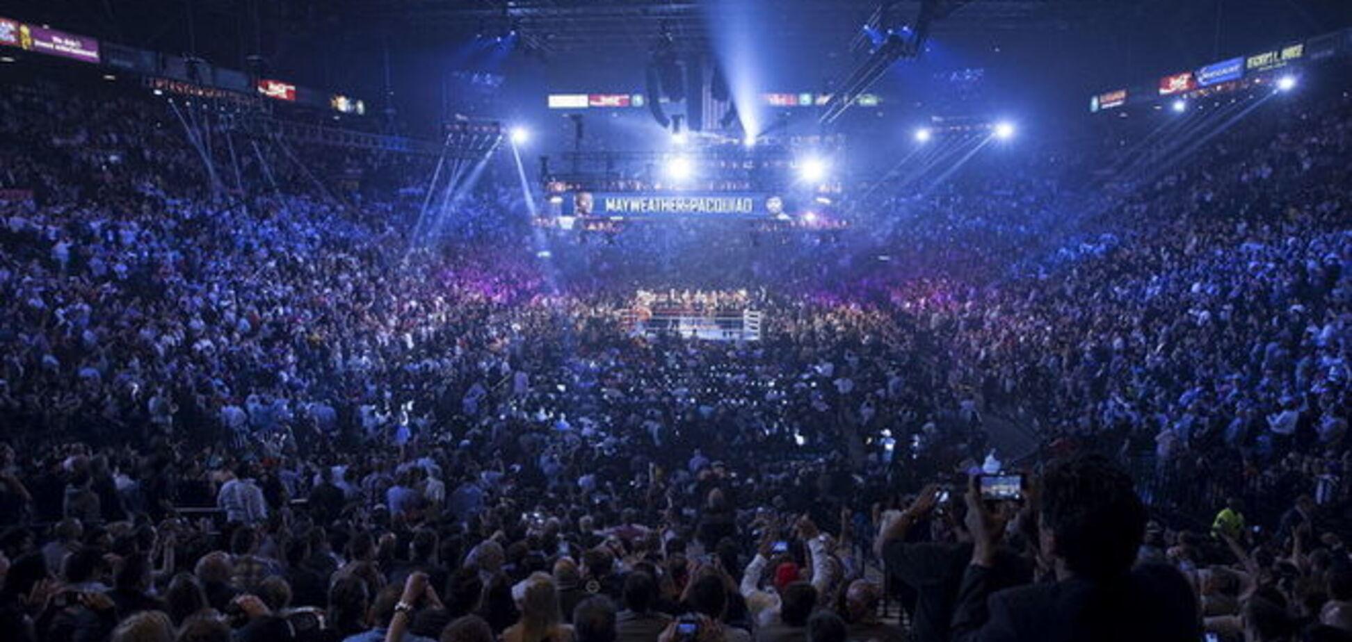 Доход от боксерского 'боя века' составил полмиллиарда долларов