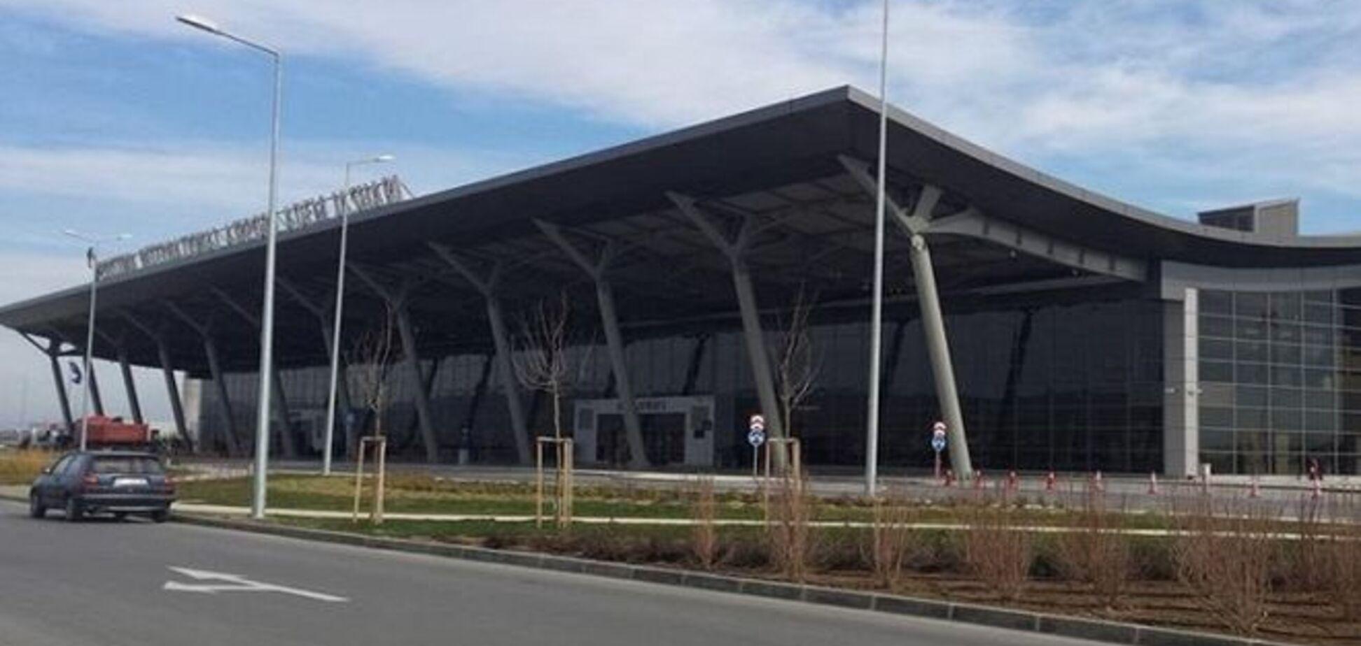 Місія ЄС розбилася в сербському аеропорту