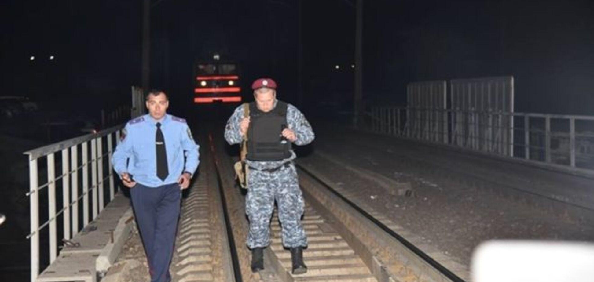 Стали известны подробности ночного взрыва в Одессе: поезд спас 18-летний юноша