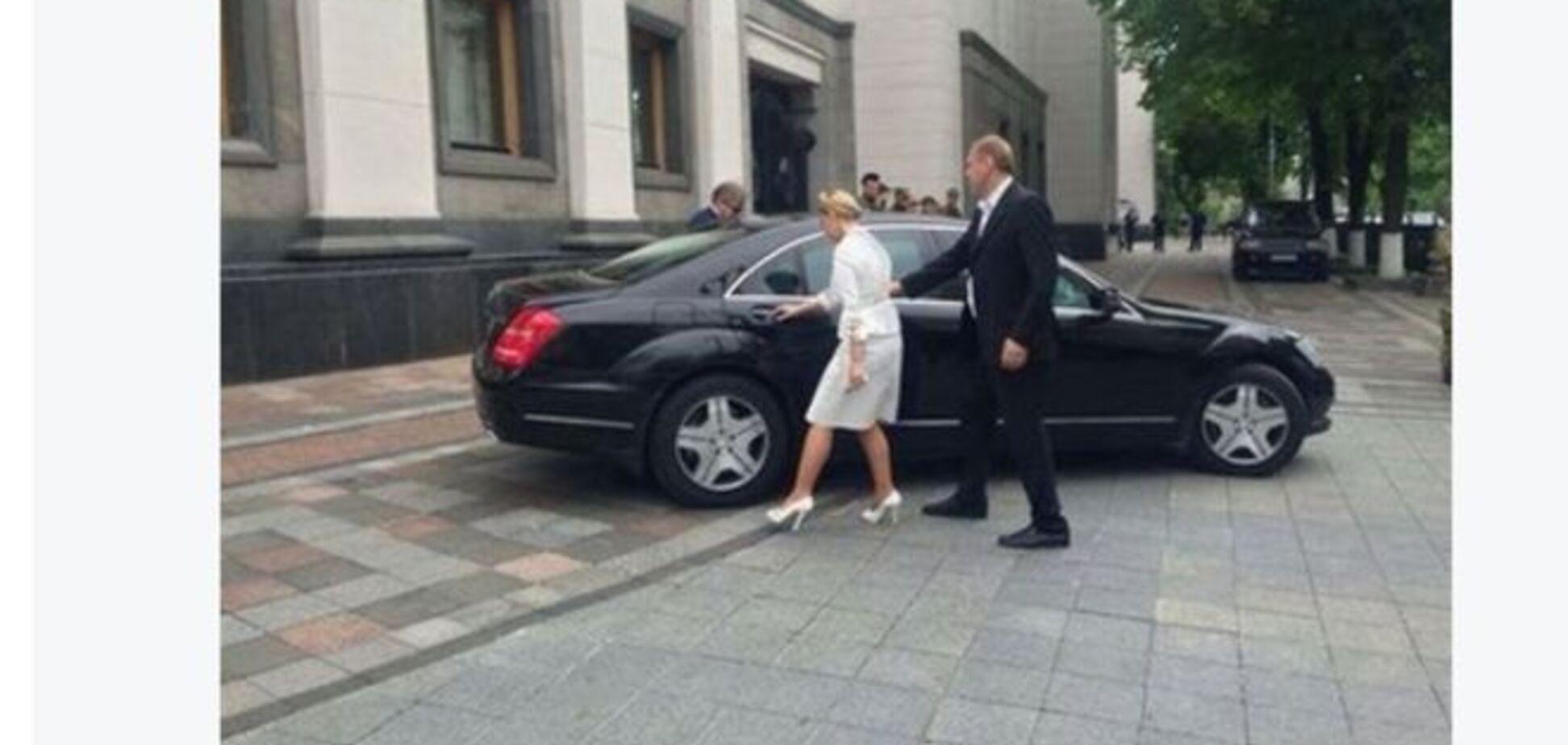 Жизнь Тимошенко: на коммуналку денег нет, но на Мерседес хватает