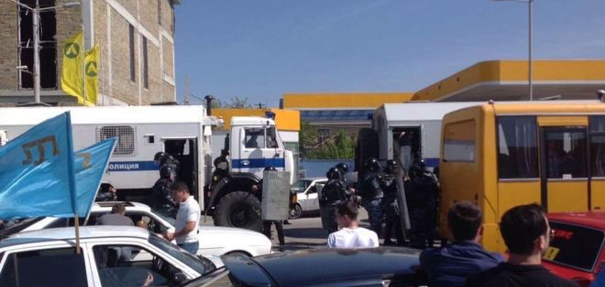 Річниця депортації кримських татар: затримано близько 60 учасників автопробігу