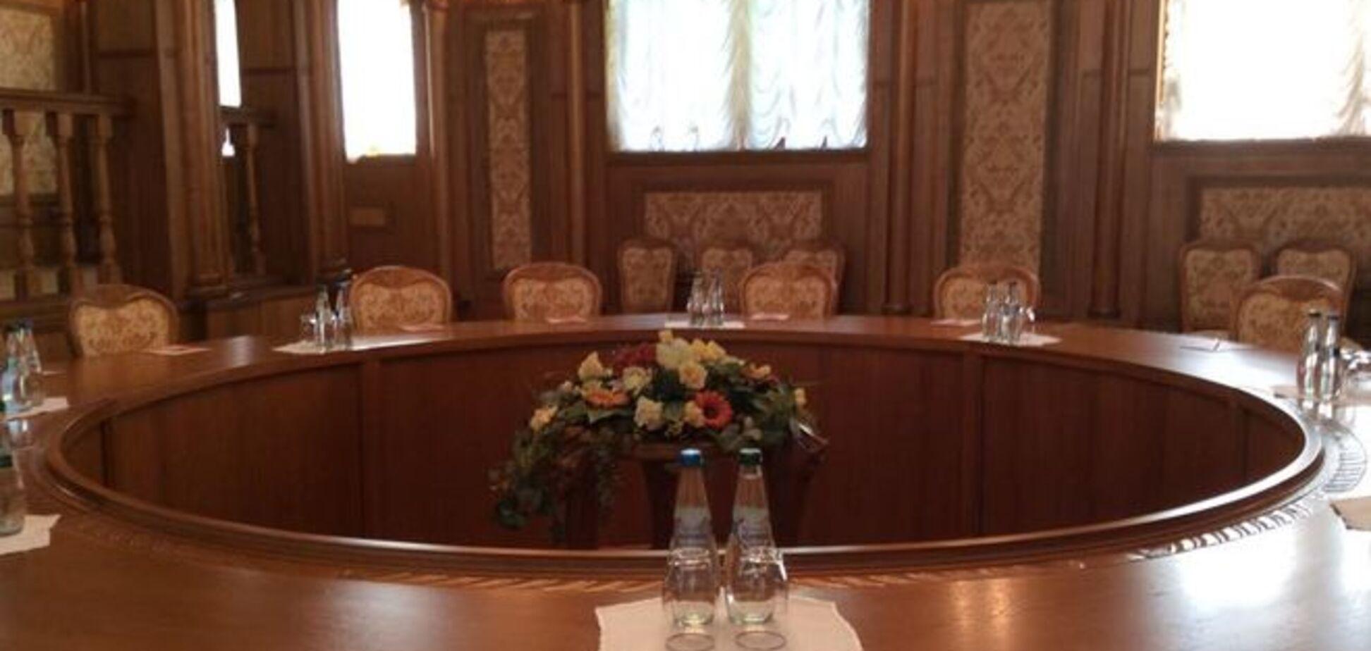 Став відомий порядок денний закритих переговорів по Донбасу в Мінську