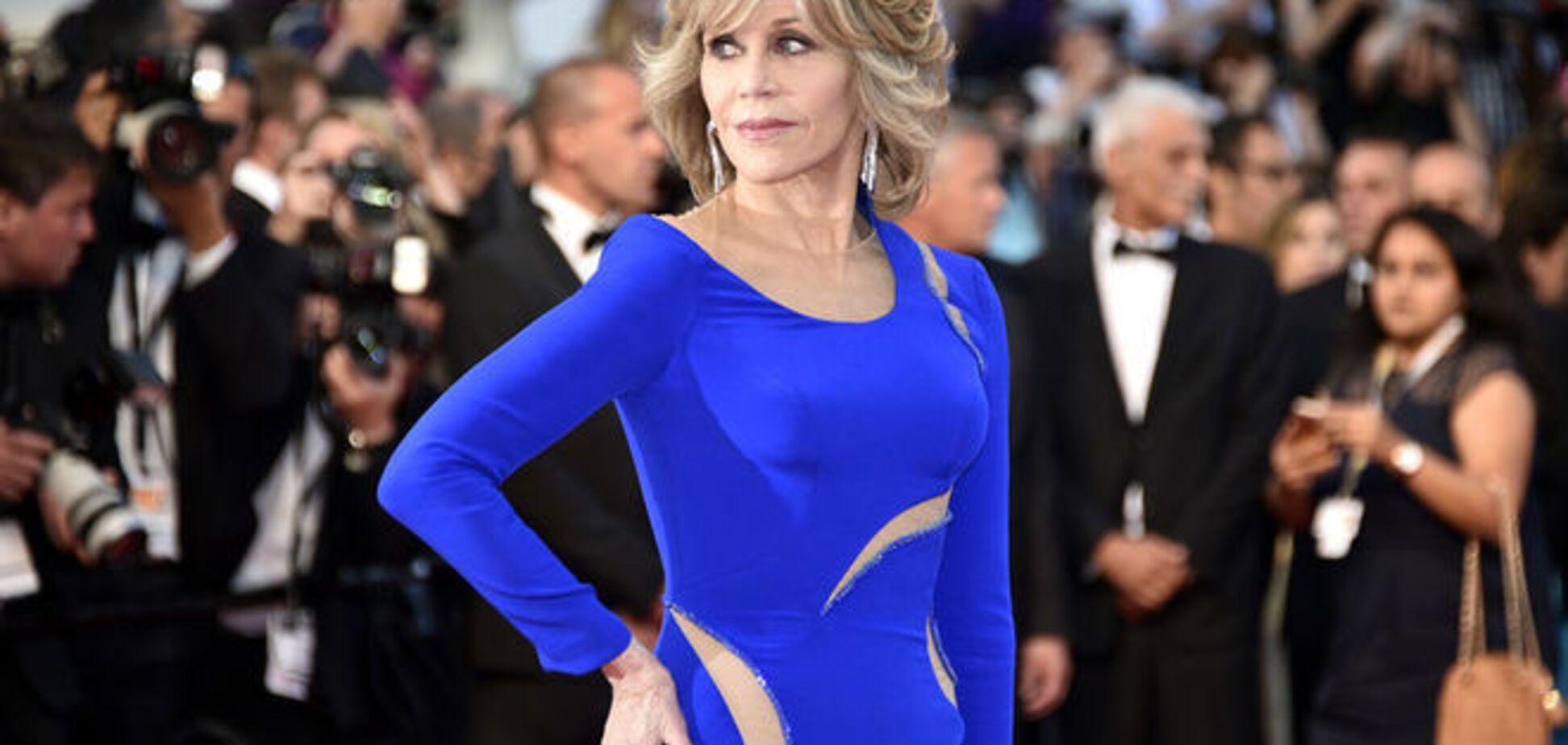 Канны 2015: 77-летняя Джейн Фонда показала сногсшибательное платье и отличную фигуру