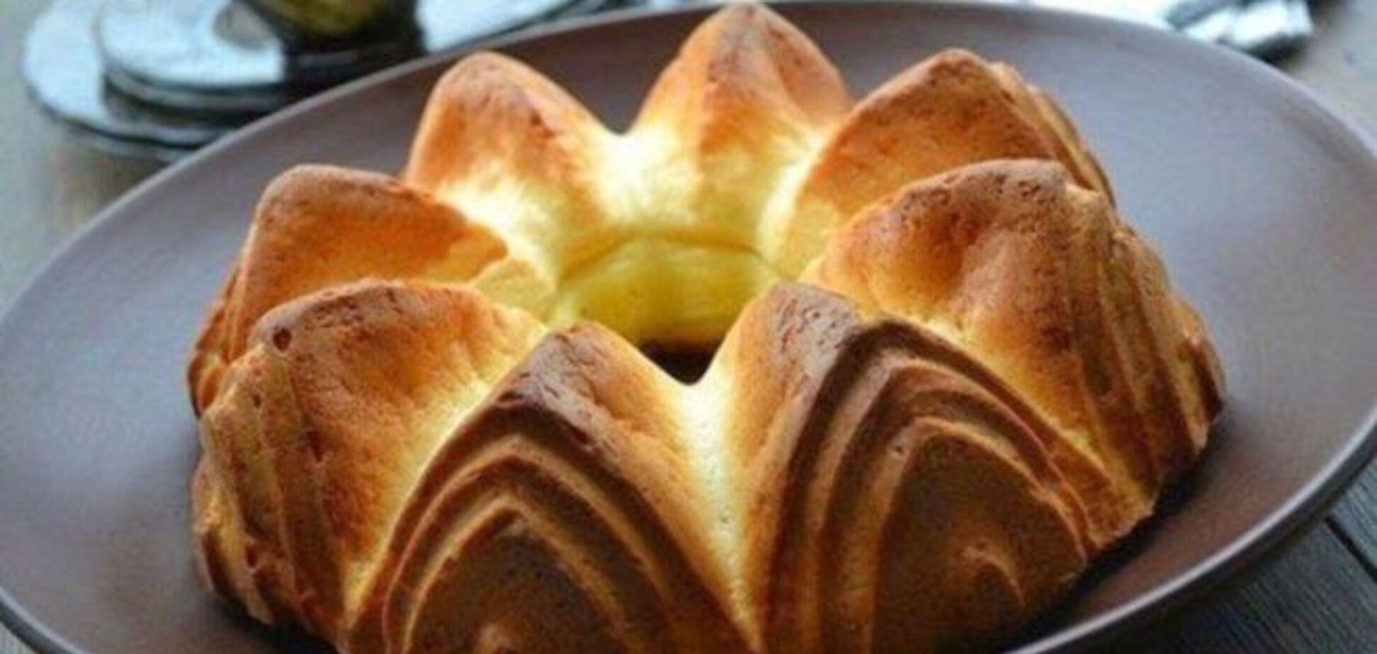 Рецепт вкуснейшего пирога из плавленных сырков на кефире