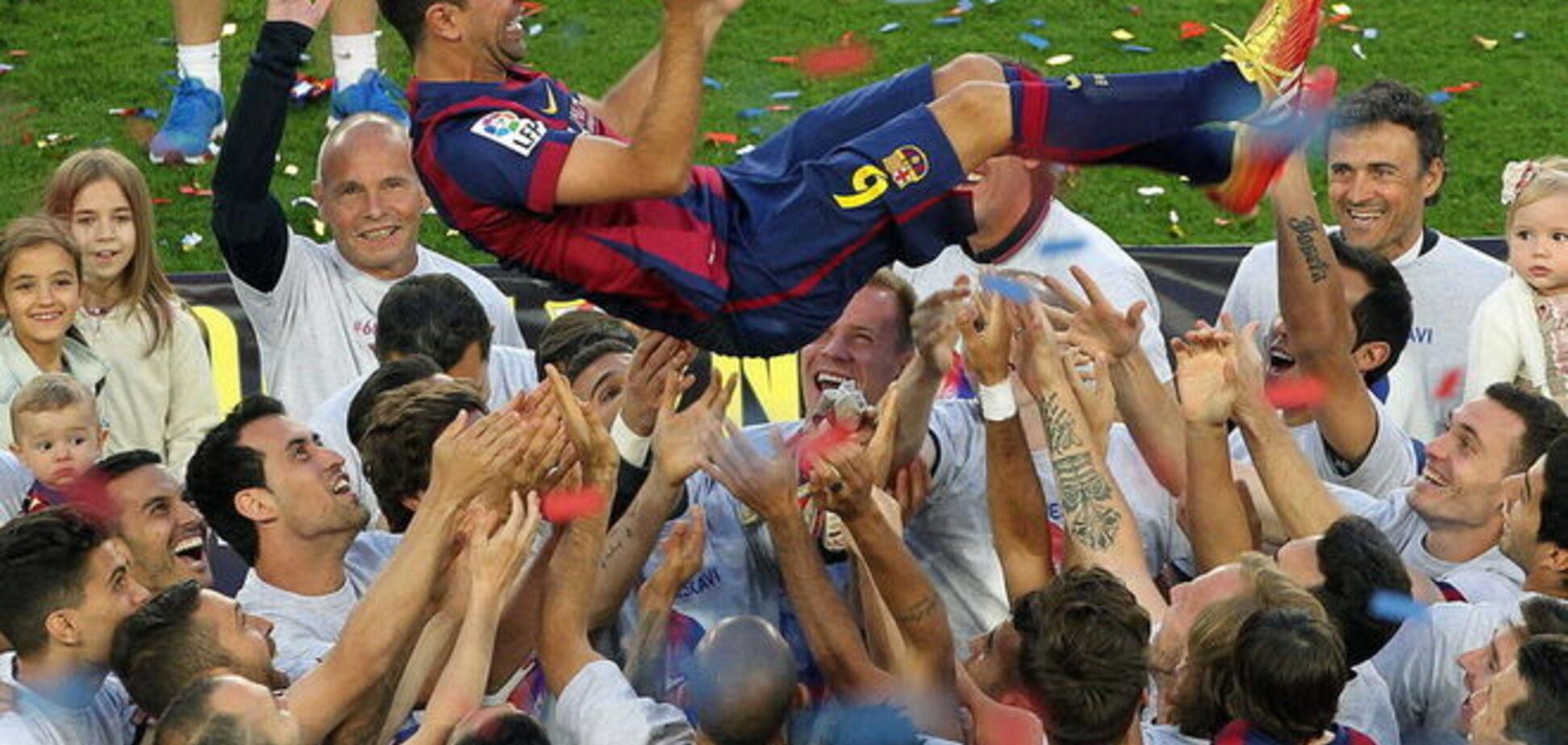 Легендарный капитан 'Барселоны' разревелся, прощаясь с клубом: трогательные фото
