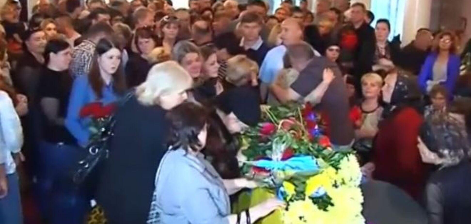 Погибшего в зоне АТО Героя похоронили через 9 месяцев после гибели